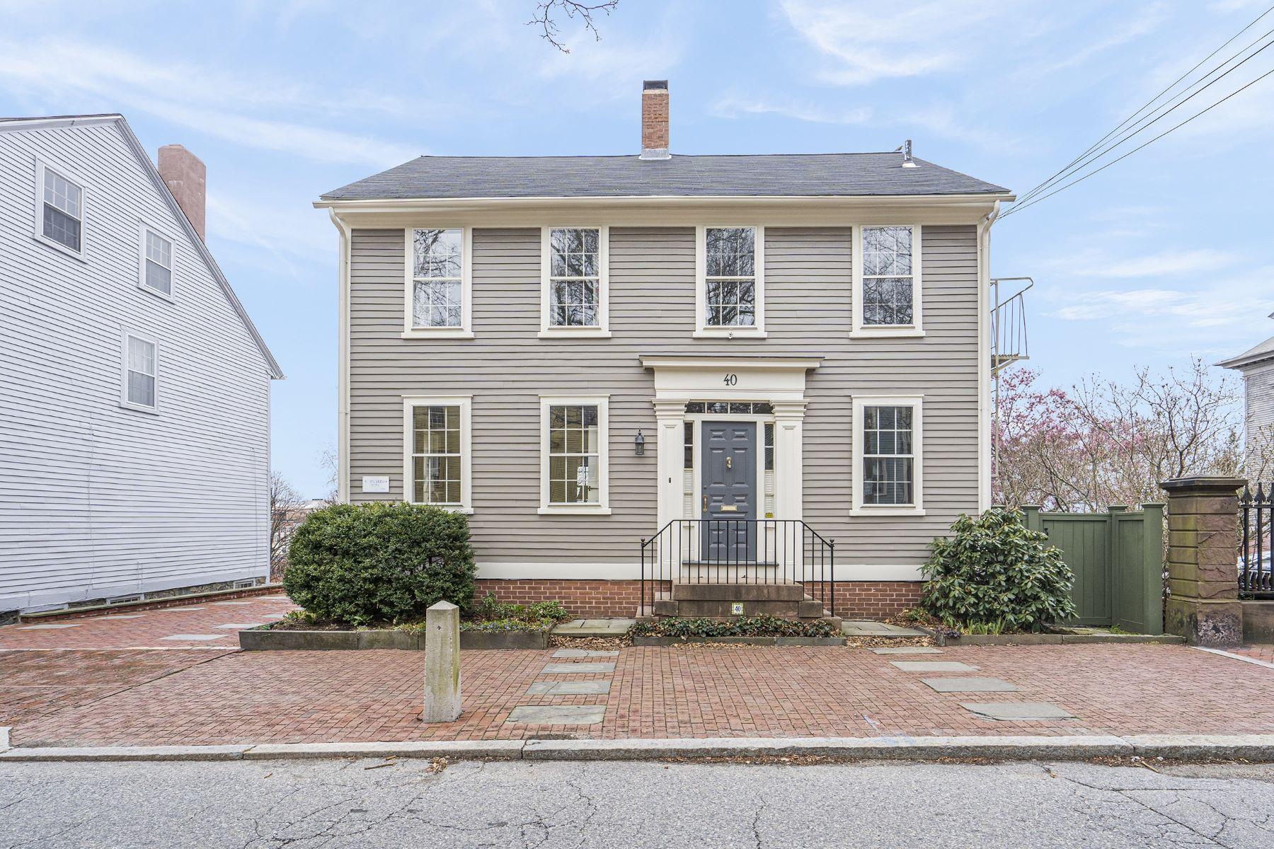 Single Family Homes 為 出售 在 Providence, 羅德島 02904 美國