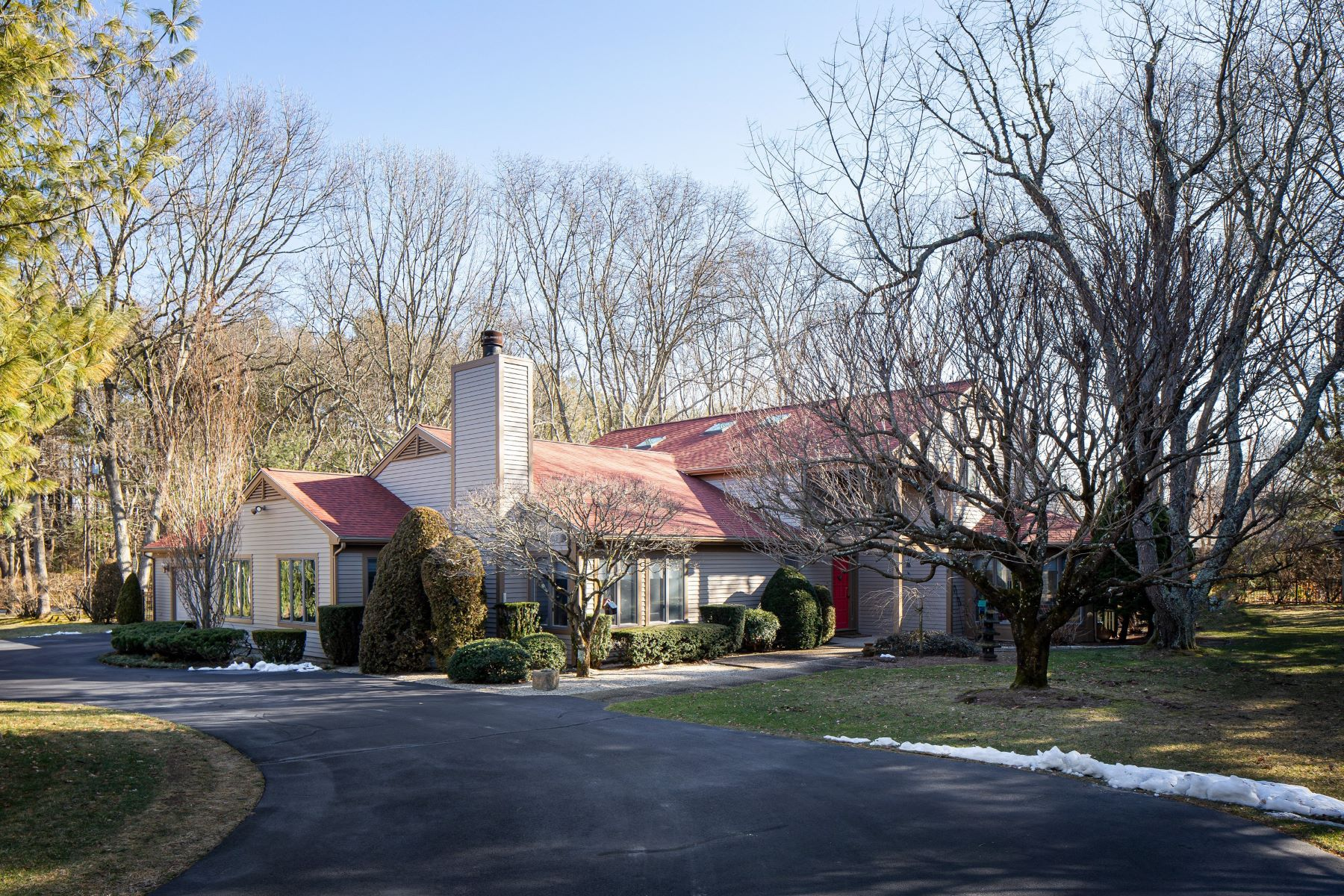 Single Family Homes for Sale at 2 Spinnaker Drive, Barrington, RI 2 Spinnaker Drive Barrington, Rhode Island 02806 United States