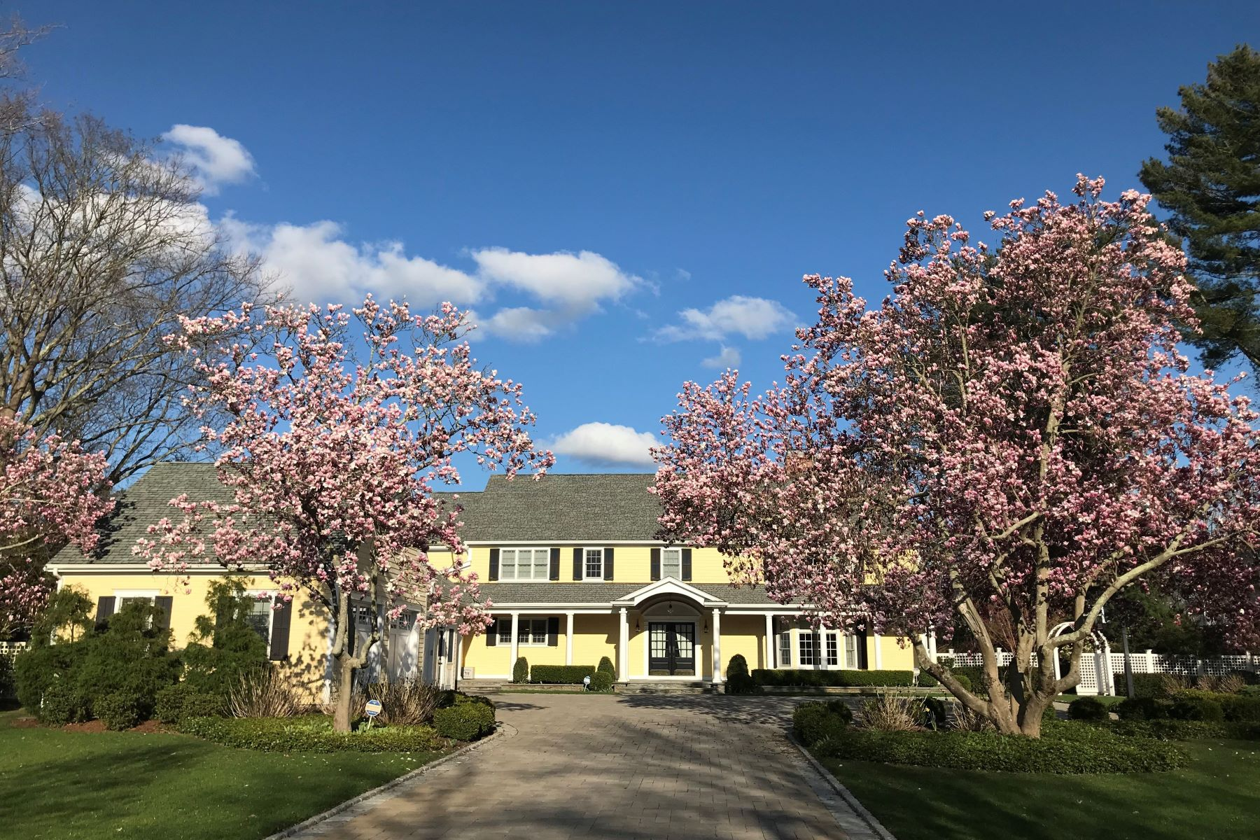 Single Family Homes for Sale at 206 Rumstick Road, Barrington, RI 206 Rumstick Road Barrington, Rhode Island 02806 United States