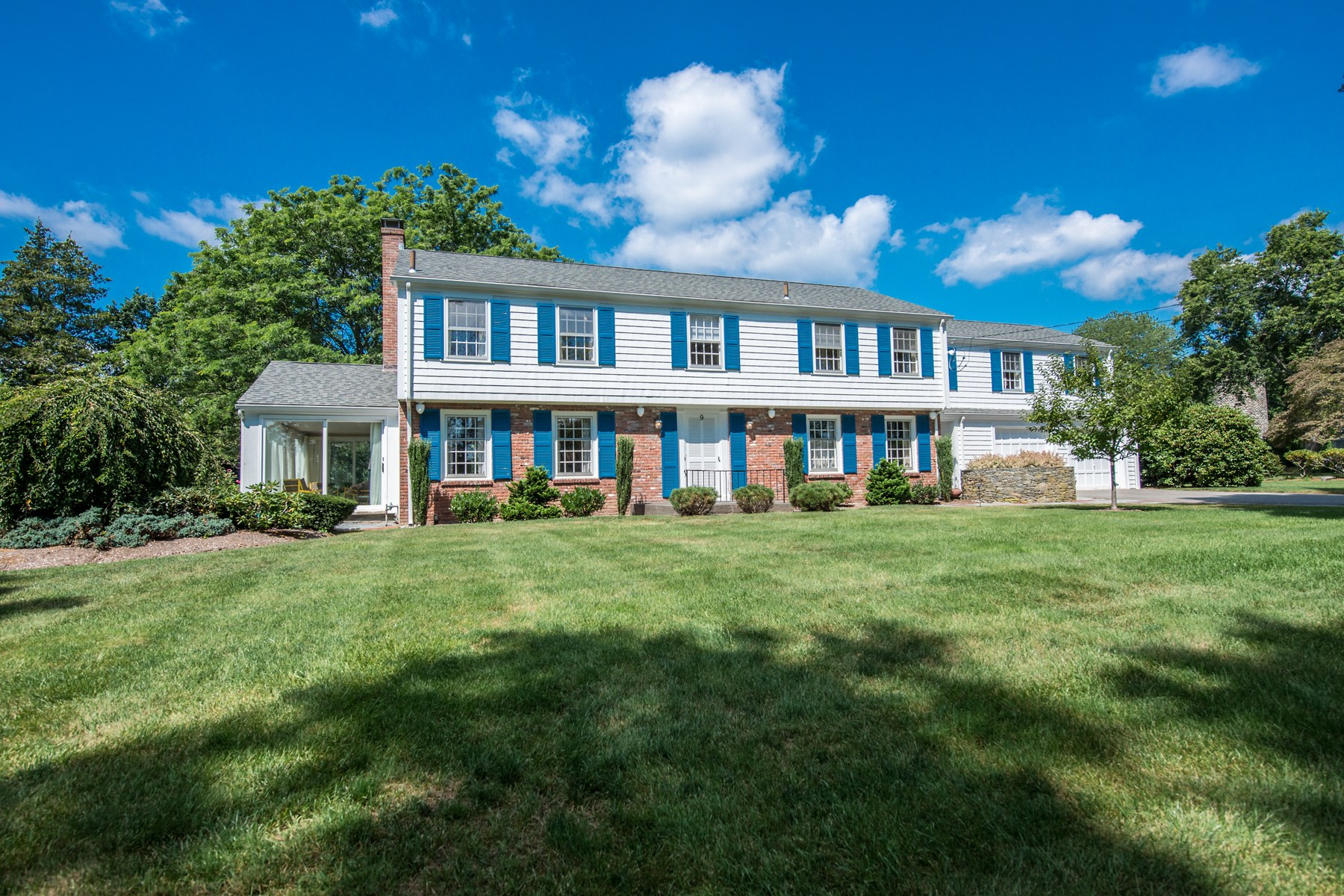 Single Family Home for Sale at 9 Stone Tower Lane, Barrington, RI 9 Stone Tower Lane Barrington, Rhode Island 02806 United States