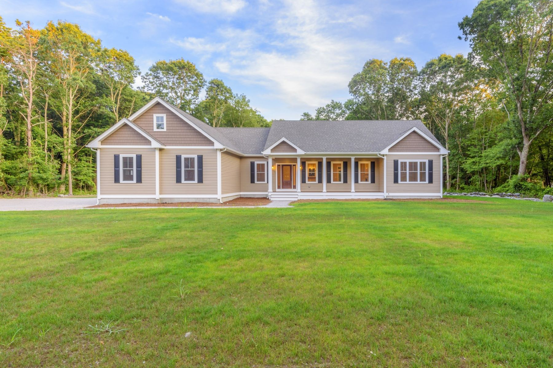 Single Family Homes για την Πώληση στο 00 Kirby Av., Warwick, RI Warwick, Ροουντ Αϊλαντ 02889 Ηνωμένες Πολιτείες