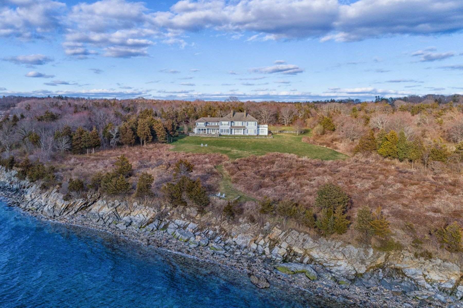 Single Family Home for Sale at 260 Beavertail Rd, Jamestown, RI 260 Beavertail Rd Jamestown, Rhode Island 02835 United States