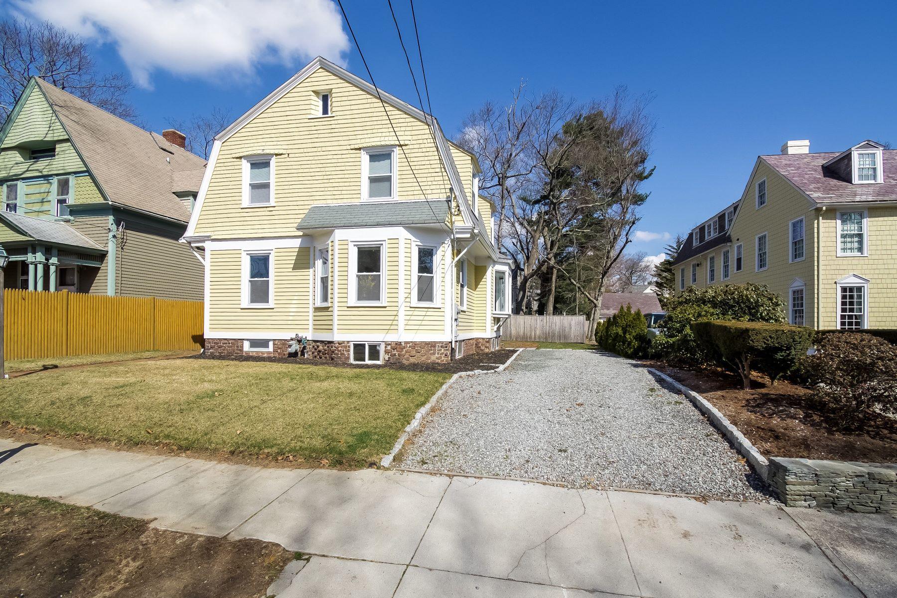 独户住宅 为 销售 在 276 President Av, Providence, RI 276 President Av 普罗维登斯, 罗得岛 02906 美国