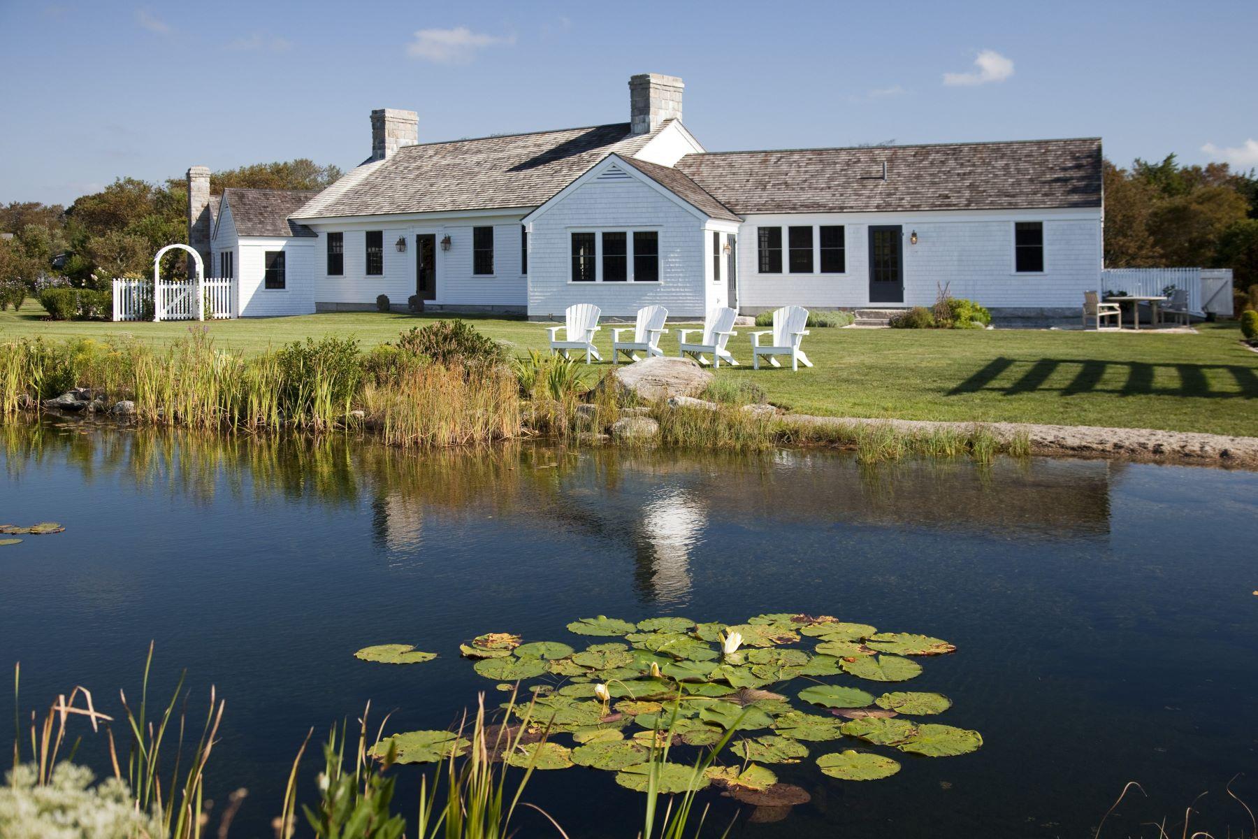 single family homes voor Verkoop op 230 Metaterraine Av, South Kingstown, RI South Kingstown, Rhode Island 02879 Verenigde Staten