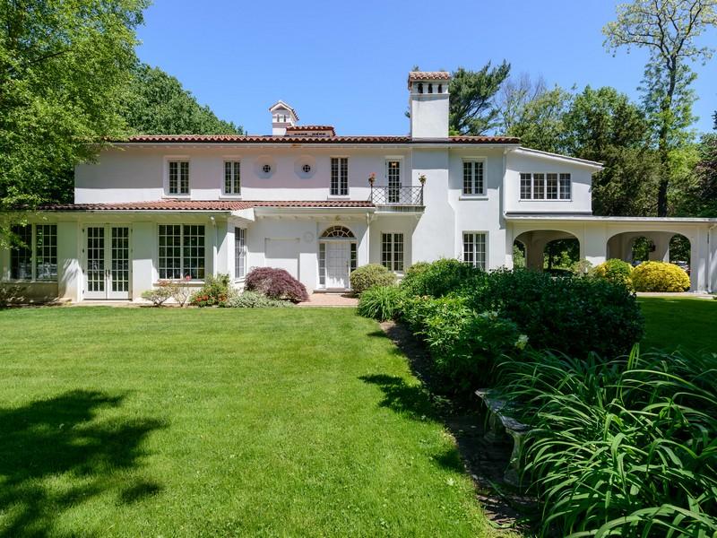 Casa para uma família para Venda às Colonial 170 Sands Point Rd Sands Point, Nova York, 11050 Estados Unidos