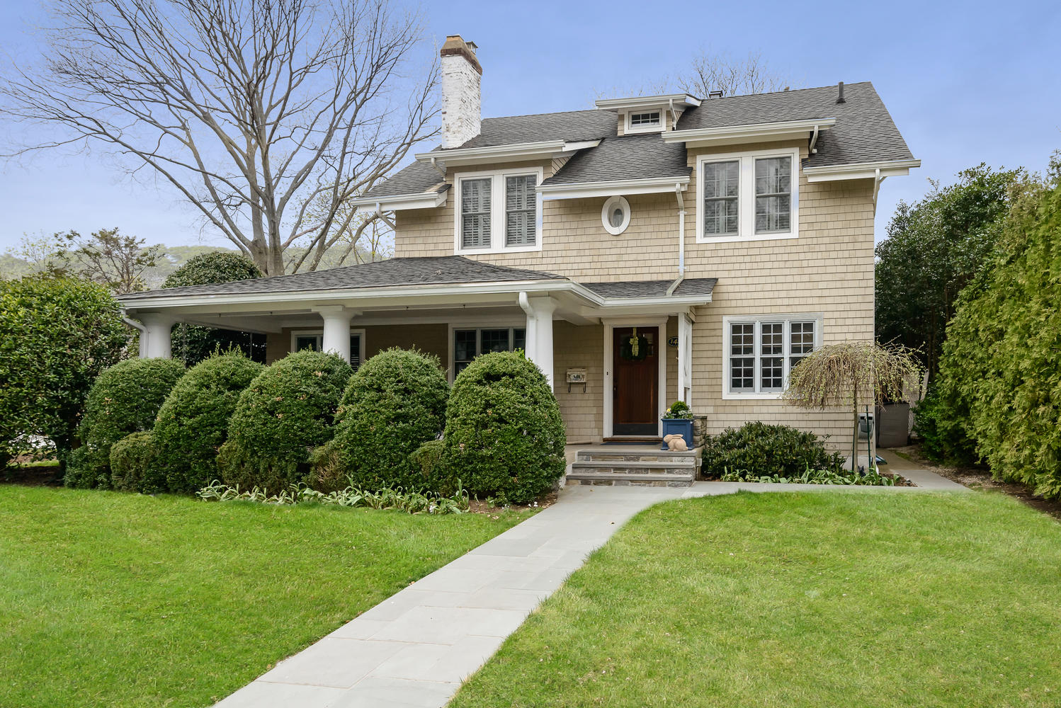 Single Family Home for Sale at Traditional 142 Brixton Rd Garden City, New York, 11530 United States