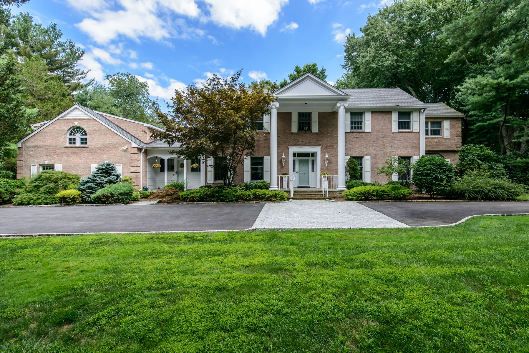 Single Family Home for Sale at Colonial 23 Glenby Ln Brookville, New York, 11545 United States