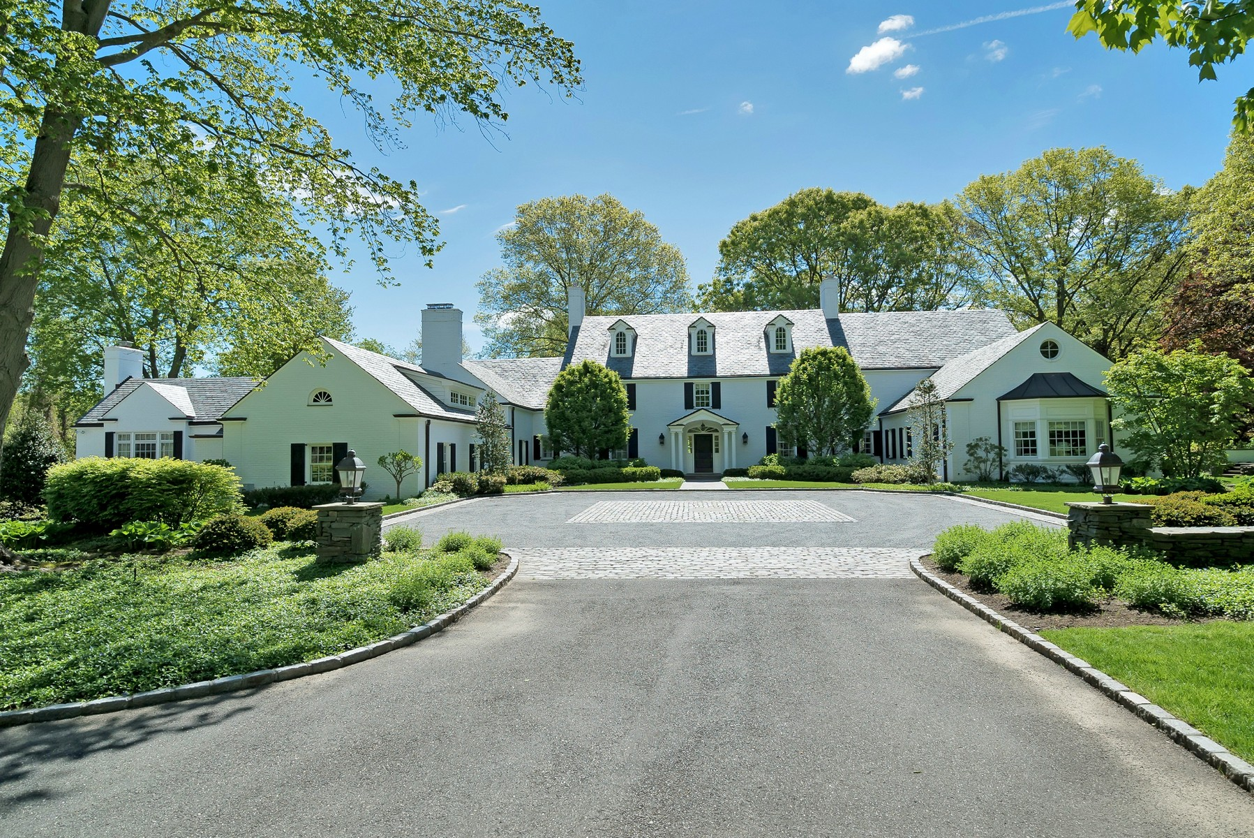 Single Family Home for Sale at Estate 530 Chicken Valley Rd Matinecock, New York, 11560 United States