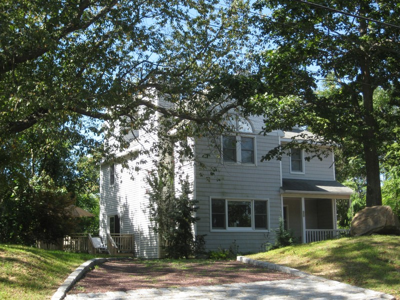 Single Family Home for Rent at Colonial 34 Baldwin Rd Shelter Island, New York 11964 United States