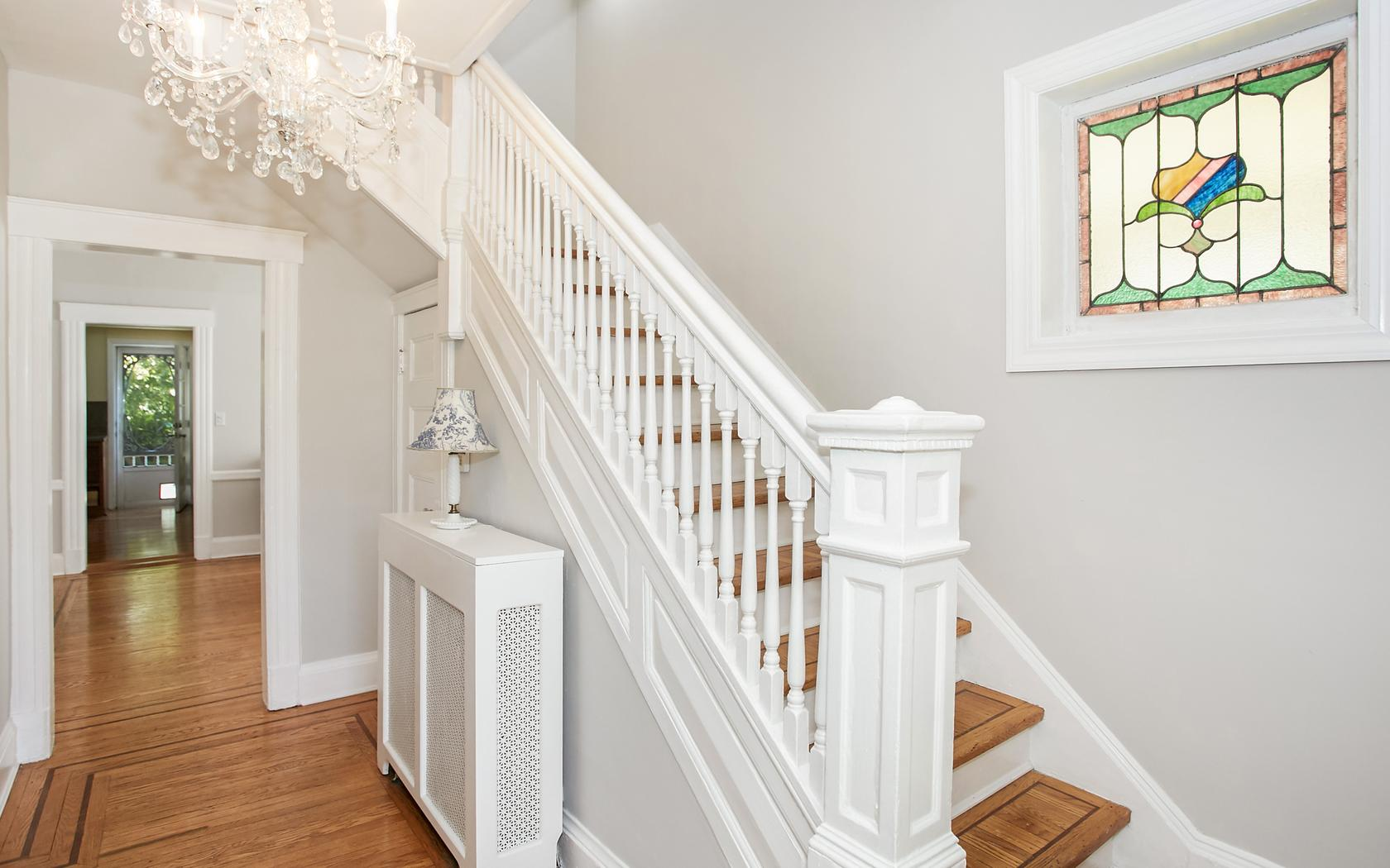 Casa para uma família para Venda às Colonial 17 Hillside Ave Rockville Centre, Nova York, 11570 Estados Unidos