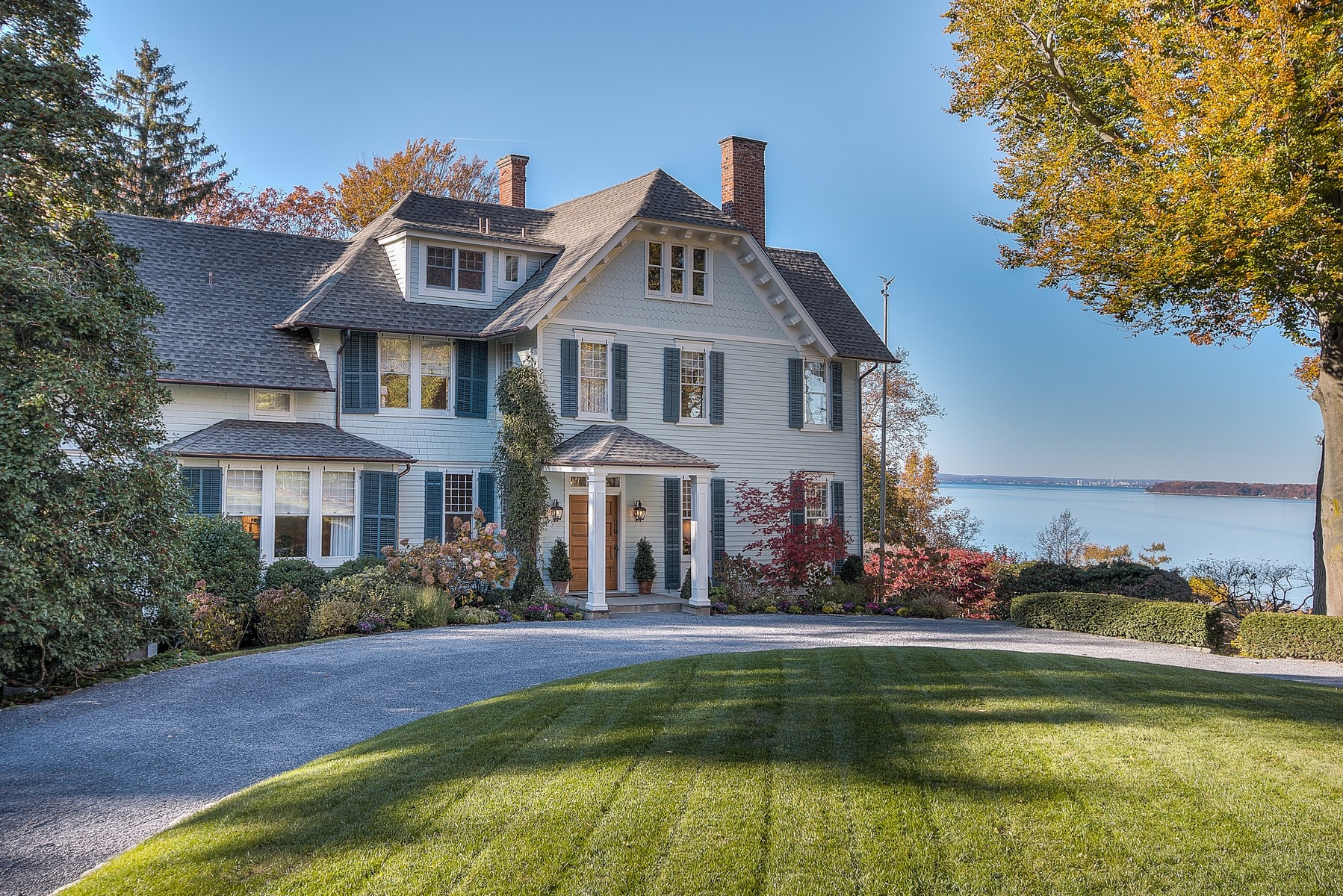 Single Family Home for Sale at Colonial 1438 Ridge Rd Laurel Hollow, New York, 11791 United States