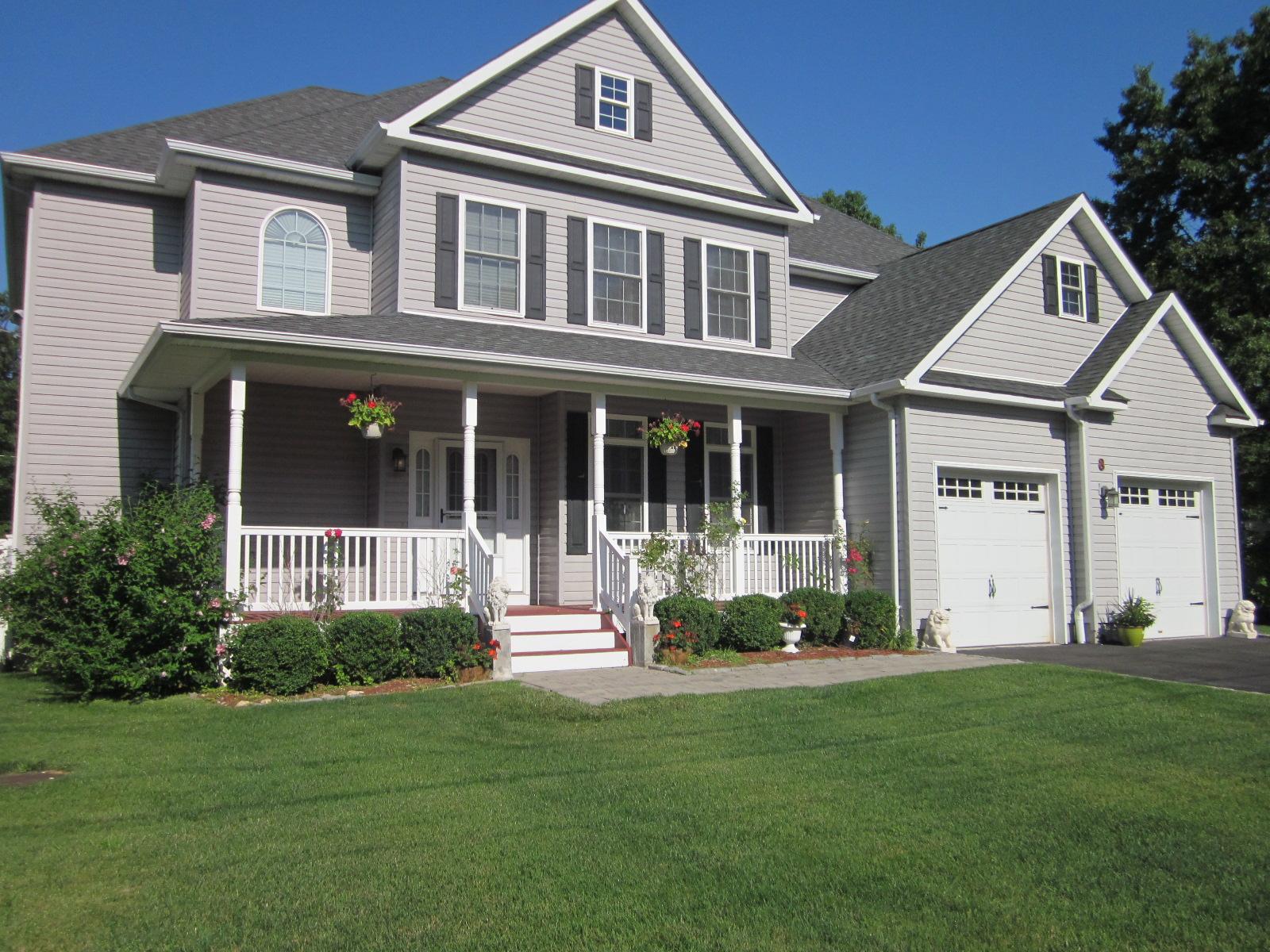 Single Family Home for Sale at Diamond Post Modern 8 James Monroe Ln Setauket, New York, 11733 United States