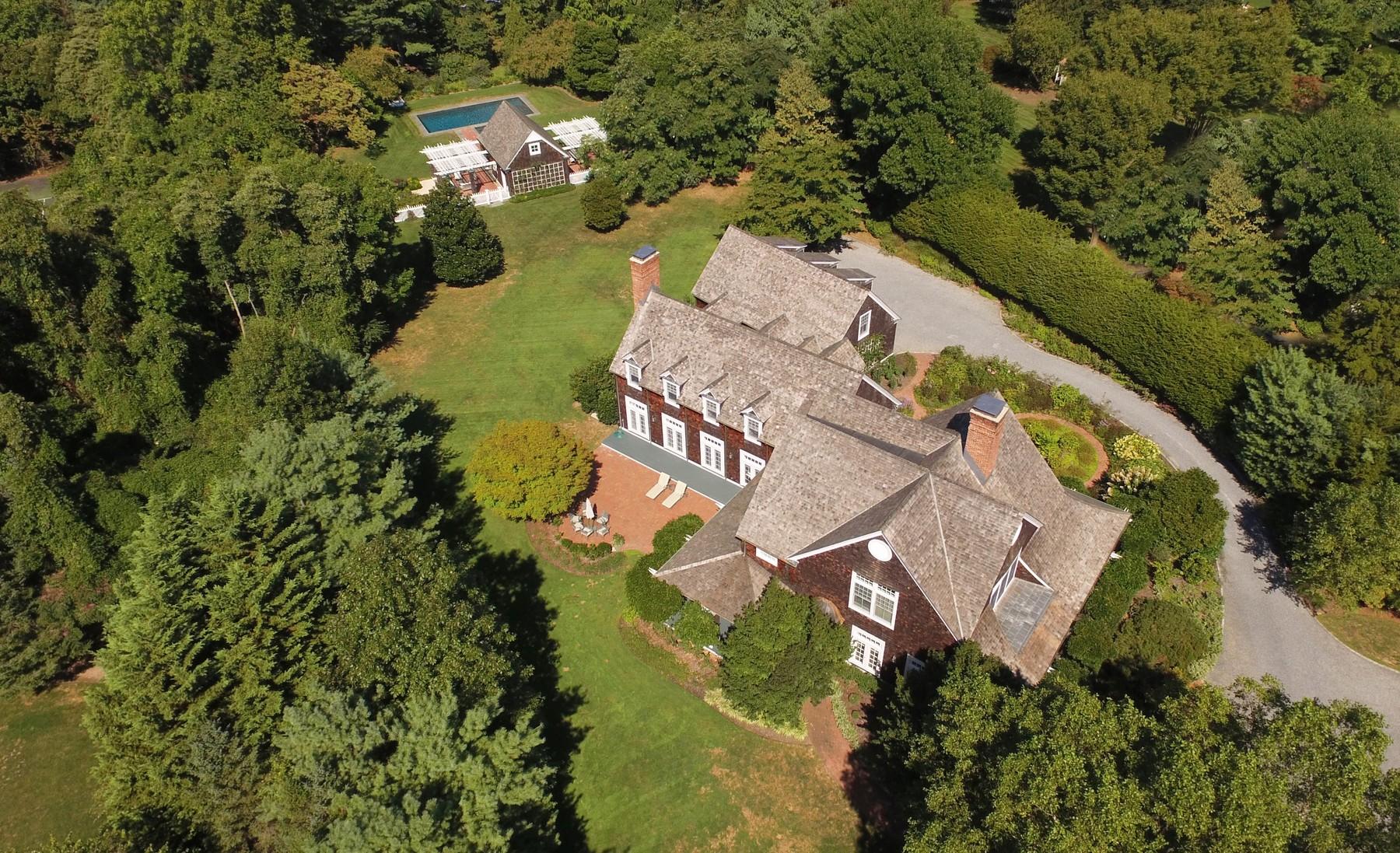 Nhà ở một gia đình vì Bán tại Colonial 3 Fox Meadow Ln Lloyd Harbor, New York, 11743 Hoa Kỳ