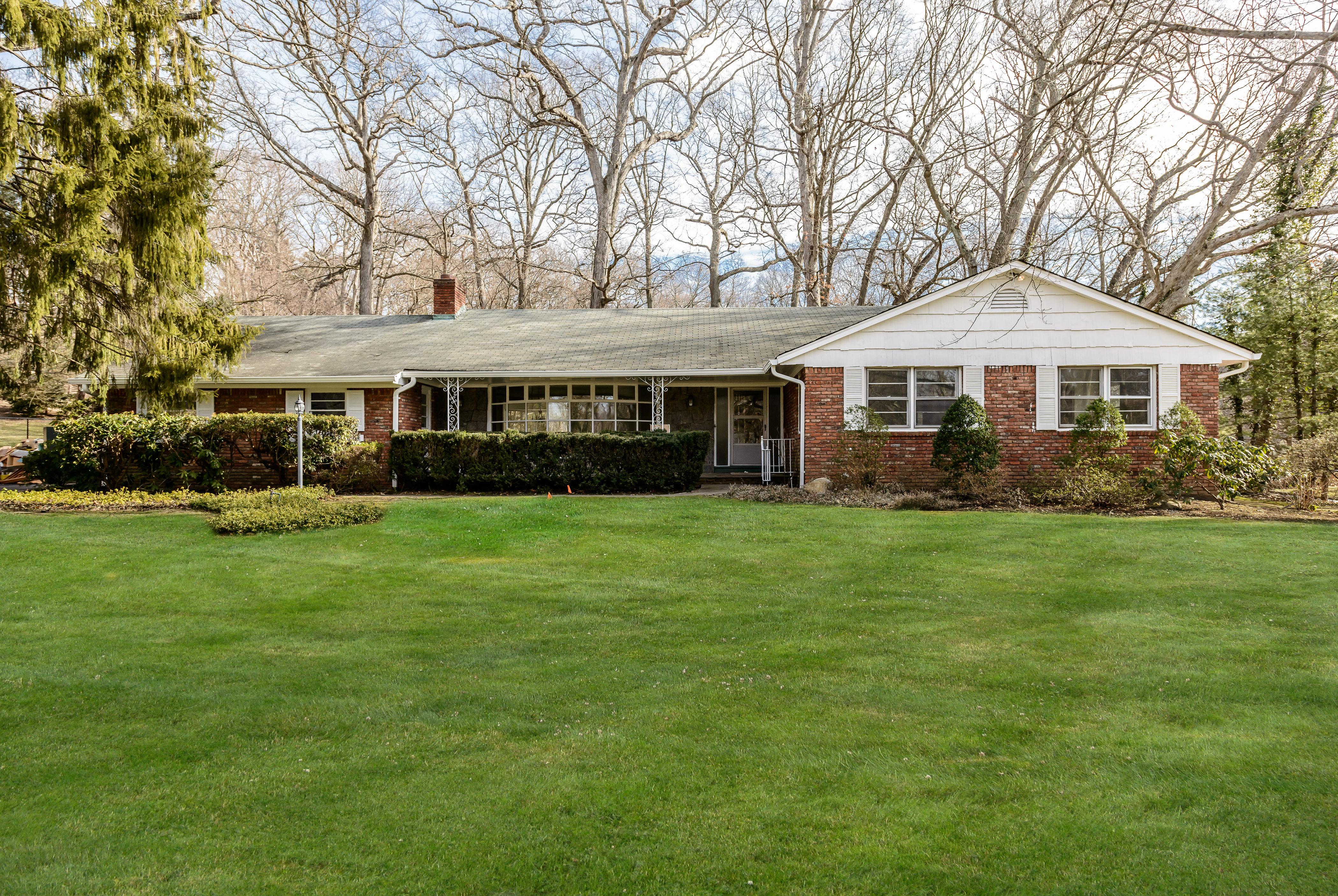 단독 가정 주택 용 매매 에 Exp Ranch 116 Huntington Bay Rd Huntington, 뉴욕, 11743 미국