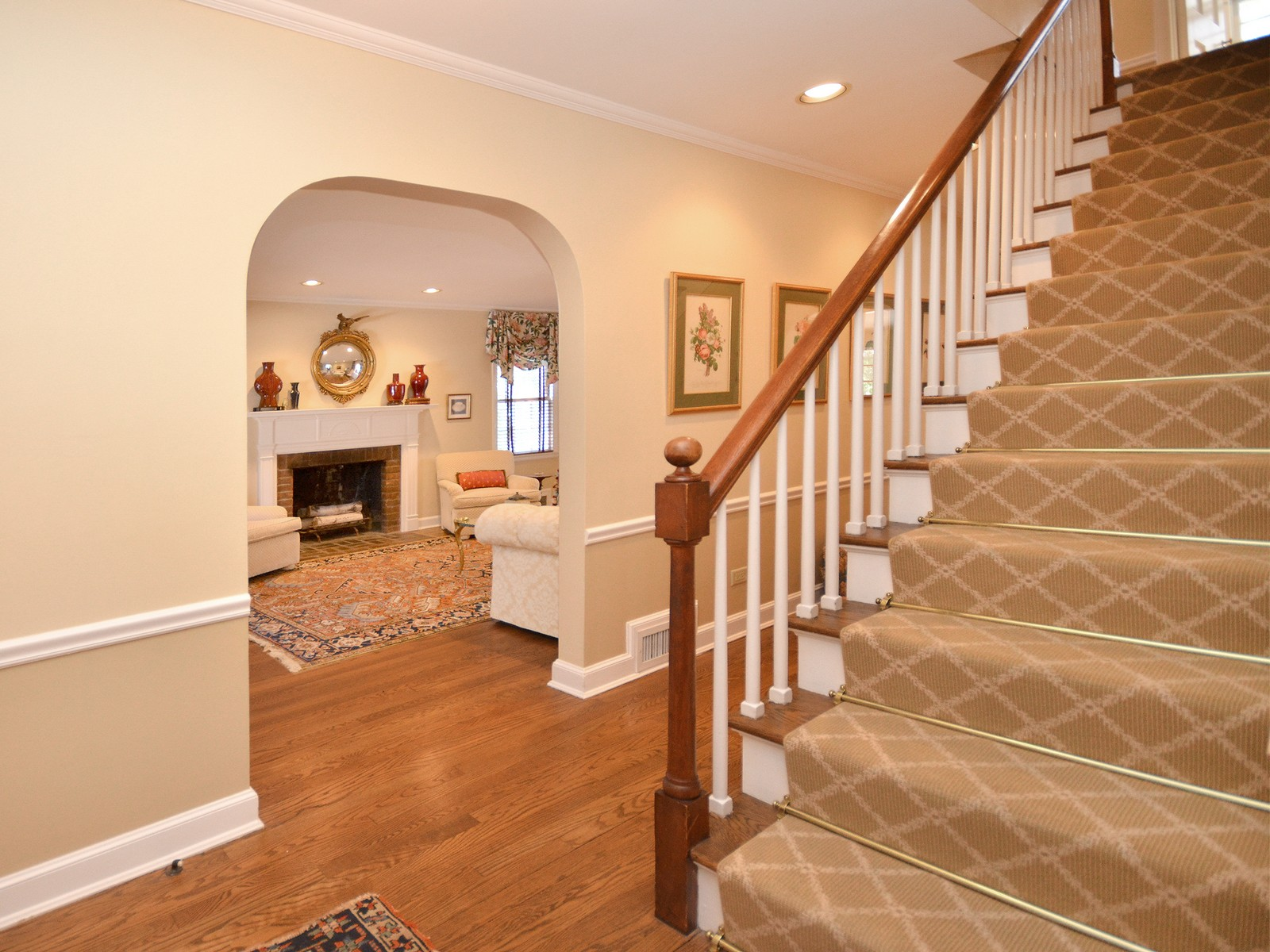 Single Family Home for Sale at Colonial 17 Orchard Farm Rd Port Washington, New York, 11050 United States