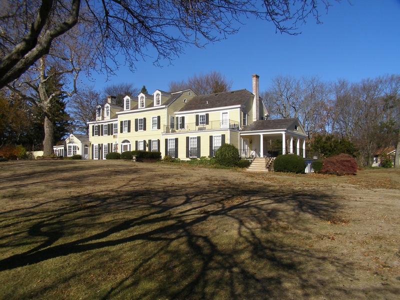 Einfamilienhaus für Verkauf beim Colonial 9 Bouton Rd Lloyd Harbor, New York, 11743 Vereinigte Staaten