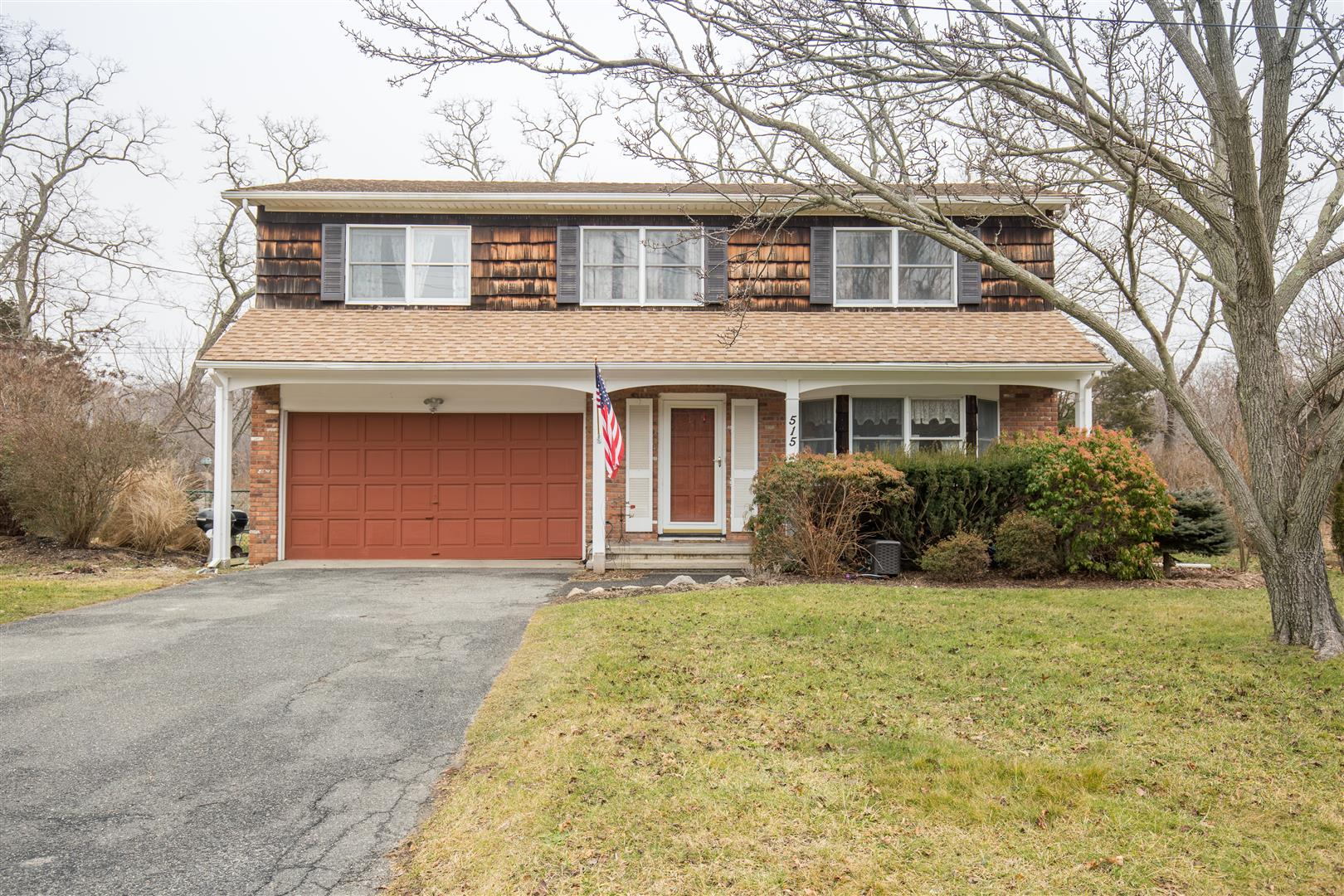 Single Family Home for Sale at Colonial 515 E Gillette Dr East Marion, New York, 11939 United States