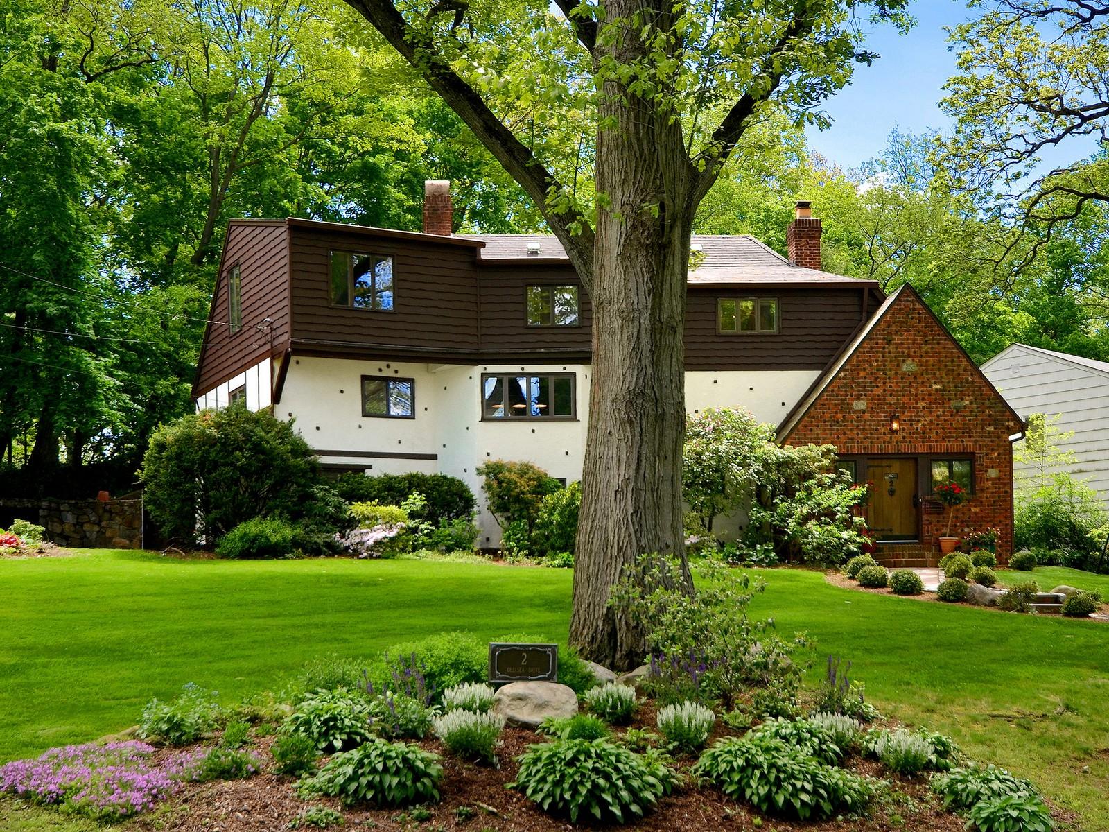 Single Family Home for Sale at Tudor 2 Chelsea Dr Port Washington, New York, 11050 United States