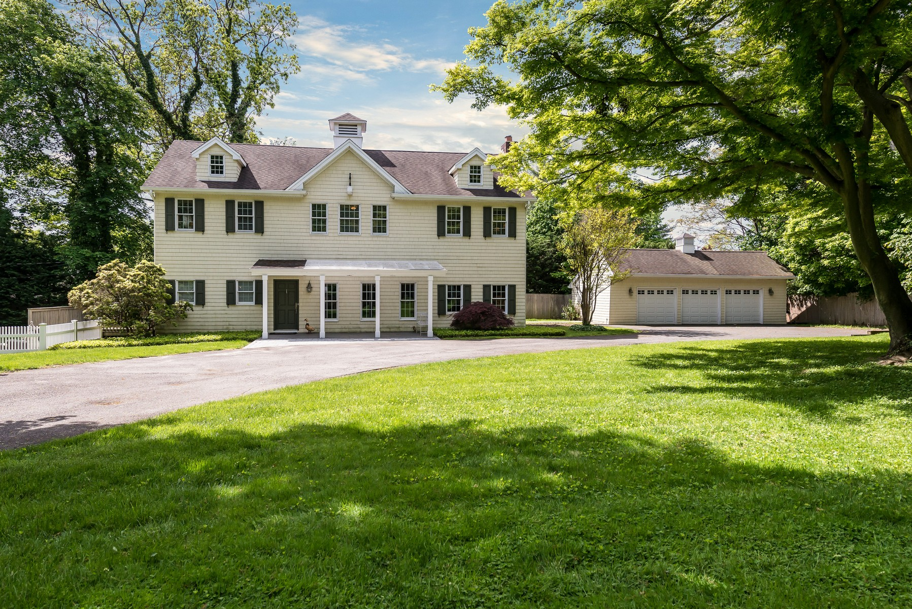 Einfamilienhaus für Verkauf beim Antique/Hist 96 Ryefield Rd Lattingtown, New York, 11560 Vereinigte Staaten