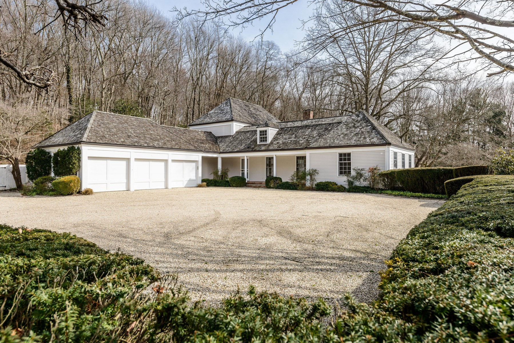 Single Family Home for Sale at Colonial 108 Horseshoe Rd Mill Neck, New York, 11765 United States