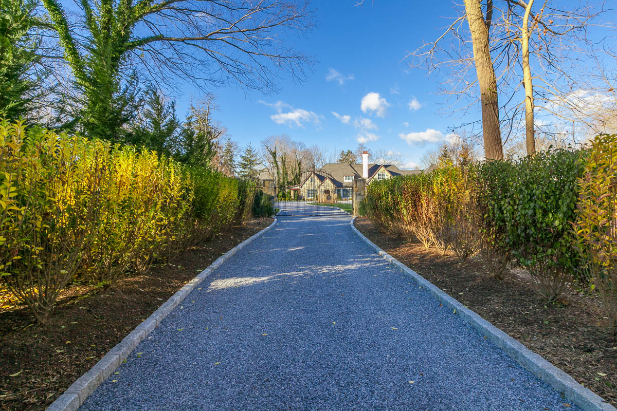 Single Family Home for Sale at Windsor Hill 5 Windsor Hill Nissequogue, New York, 11780 United States