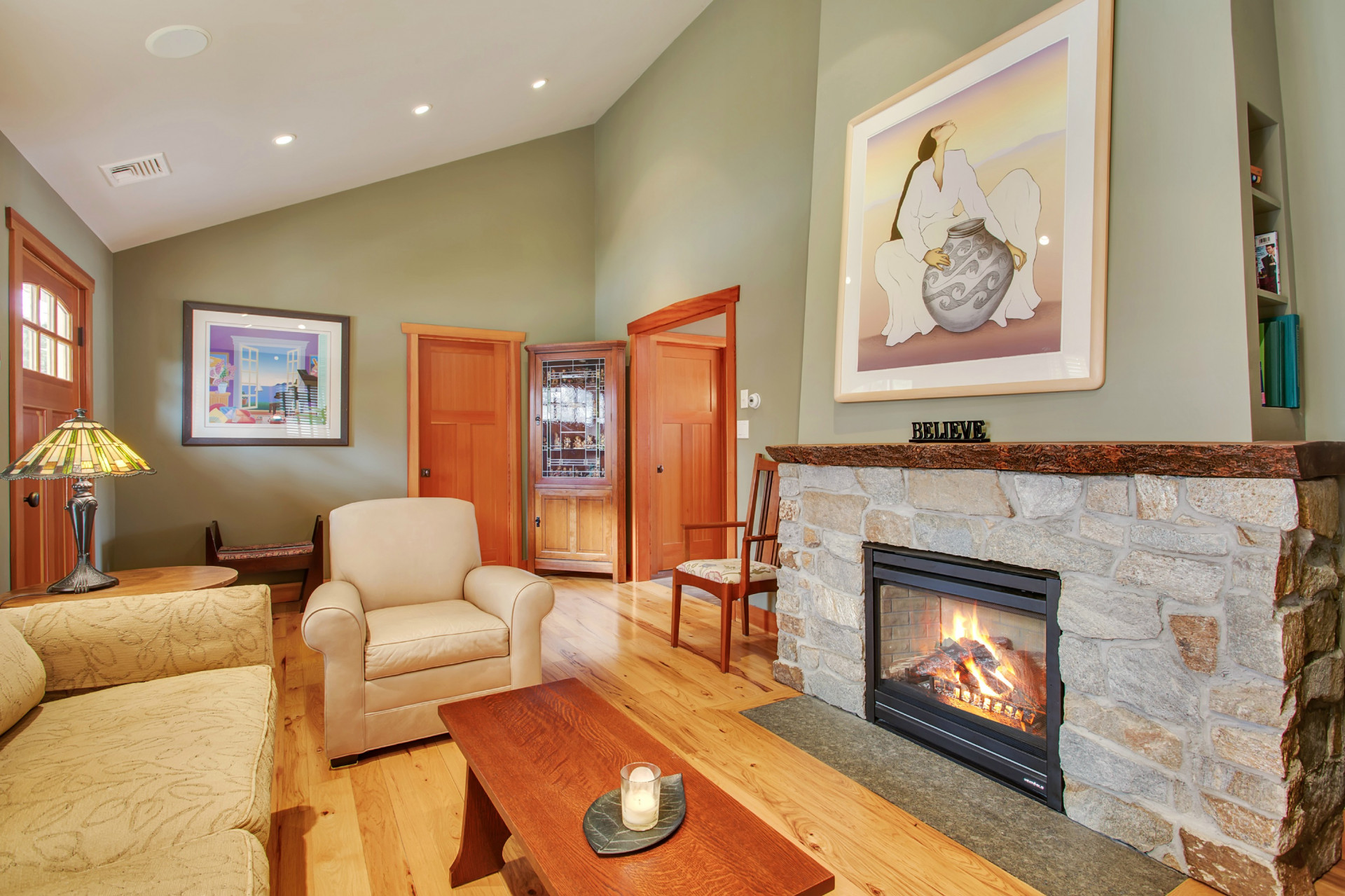 Villa per Vendita alle ore Ranch 23 Oakland St Huntington, New York, 11743 Stati Uniti