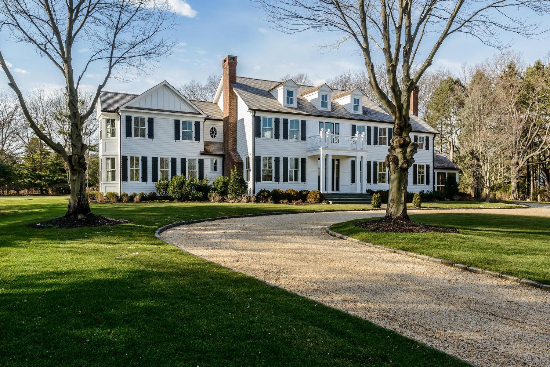 獨棟家庭住宅 為 出售 在 Colonial 46 School Lane Lloyd Harbor, 紐約州, 11743 美國