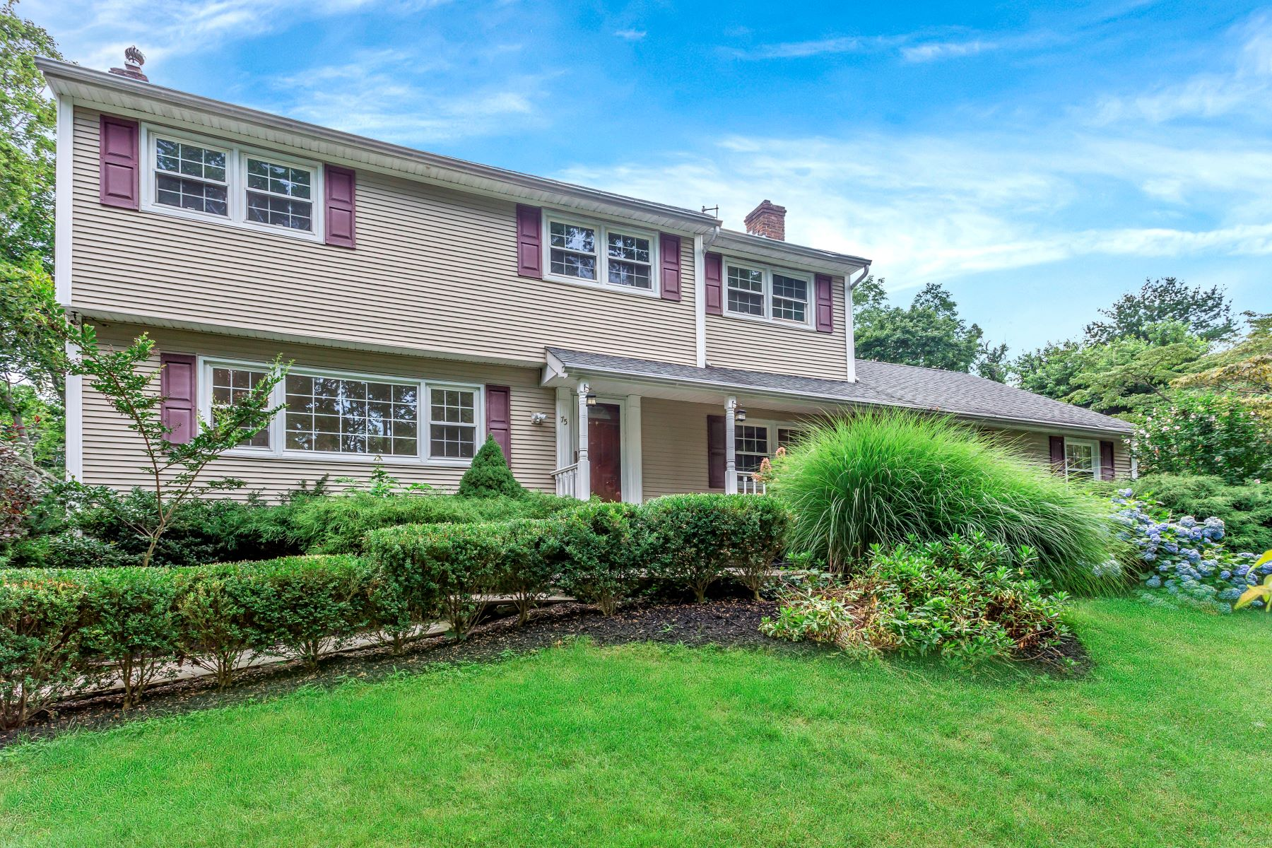 Einfamilienhaus für Verkauf beim 75 Main St 75 Main St Setauket, New York, 11733 Vereinigte Staaten