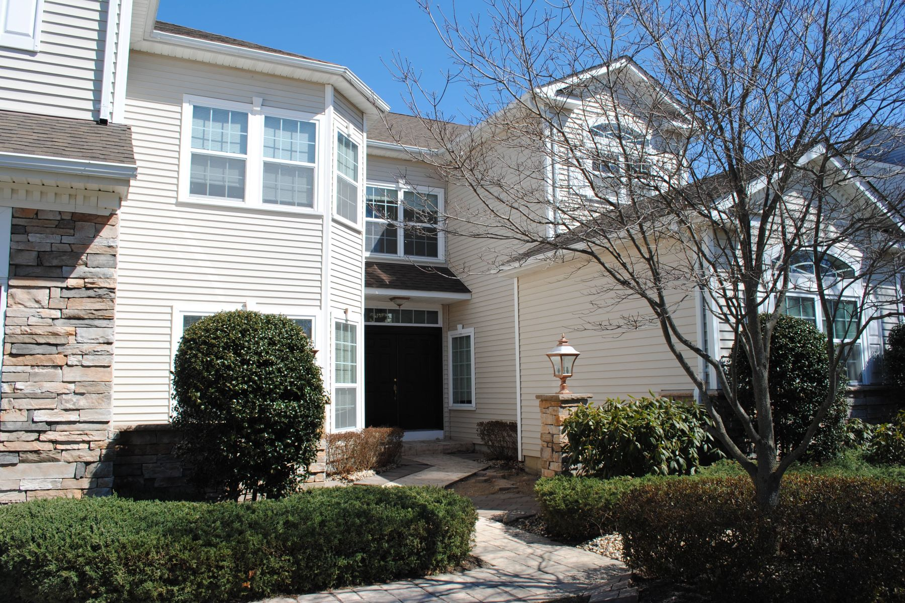 Condominium for Sale at Condo in desirable gated community 60 Hamlet Dr Mount Sinai, New York, 11766 United States