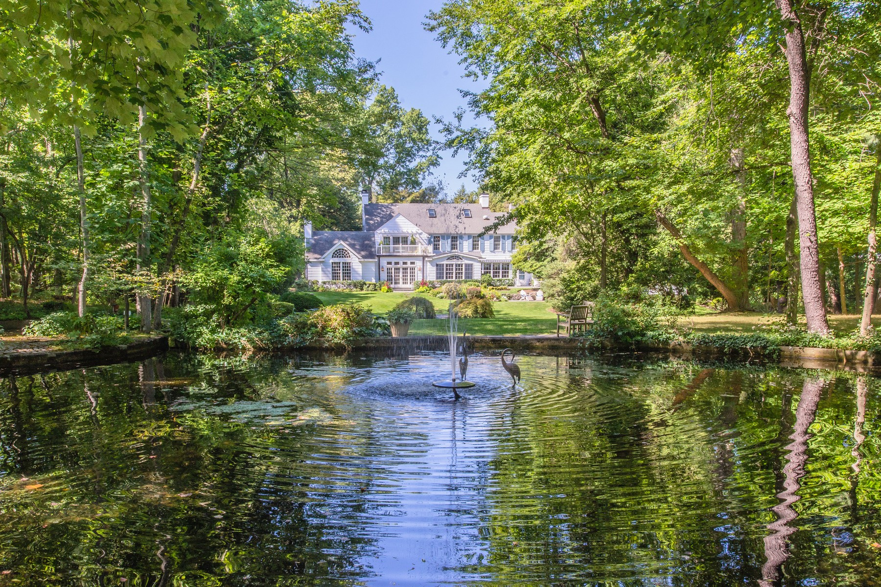 sales property at Gracious Colonial on shy 3 acres