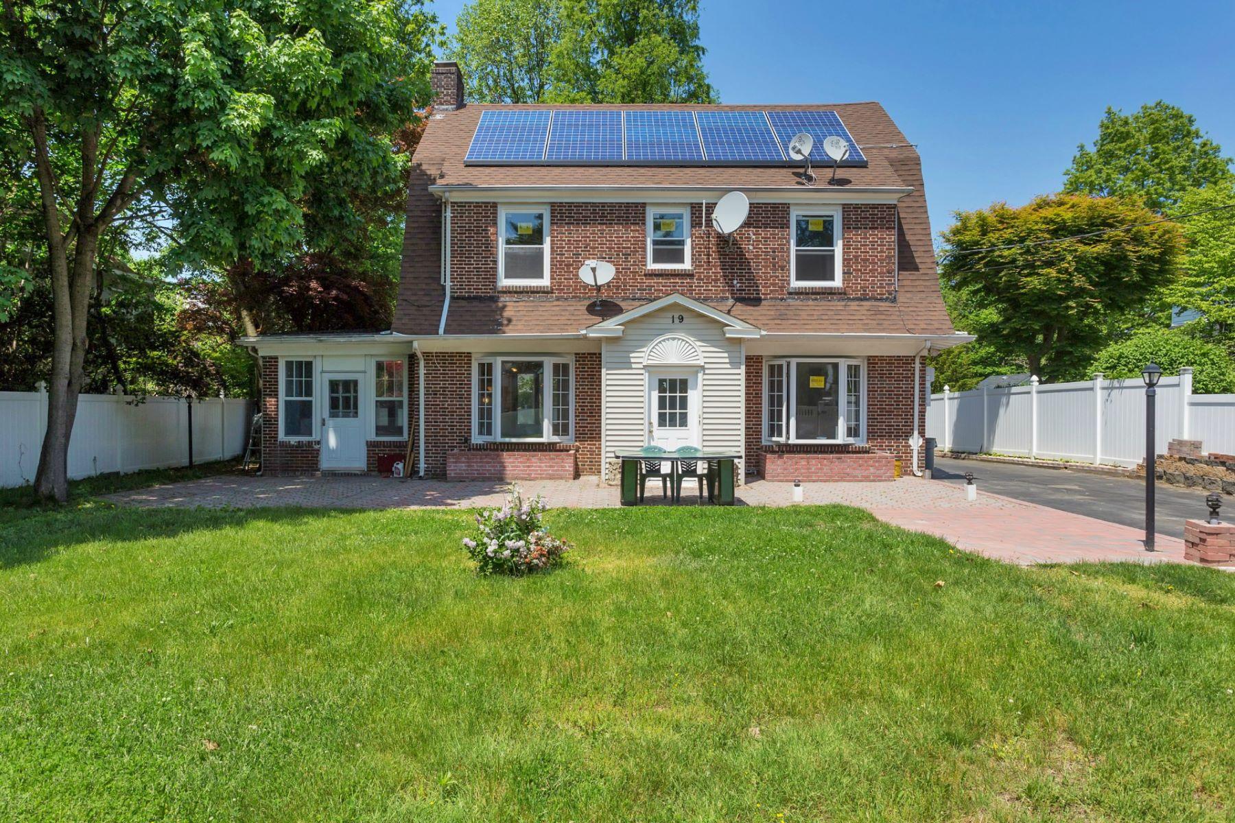 단독 가정 주택 용 매매 에 Colonial 19 Dosoris Way Glen Cove, 뉴욕, 11542 미국