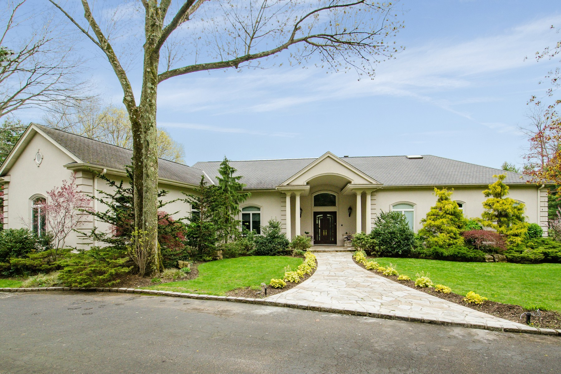 Single Family Home for Sale at Magnificent Custom Ranch on 2 acres 16 Pheasant Run Old Westbury, New York, 11568 United States