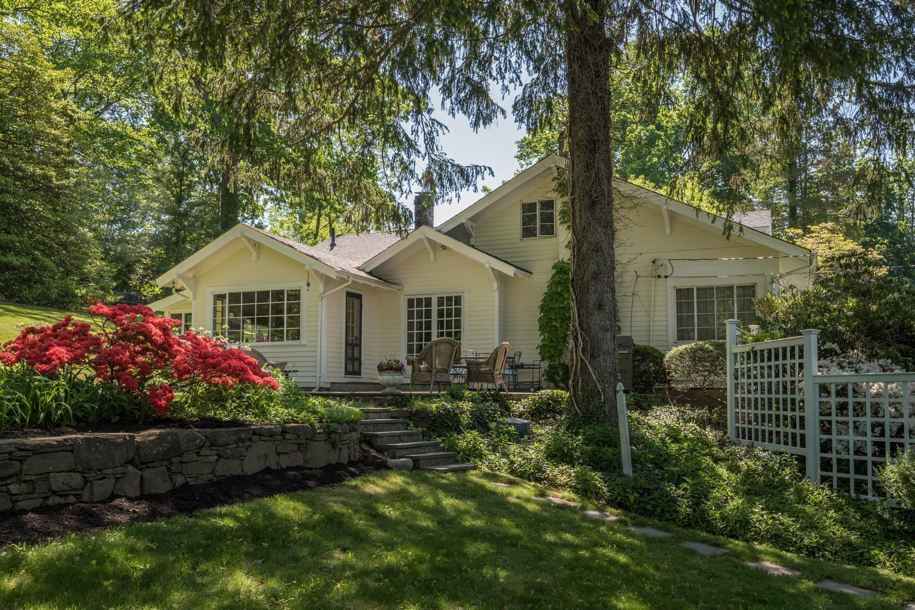 단독 가정 주택 용 매매 에 Ranch 35 Walters Ave Cold Spring Harbor, 뉴욕, 11724 미국