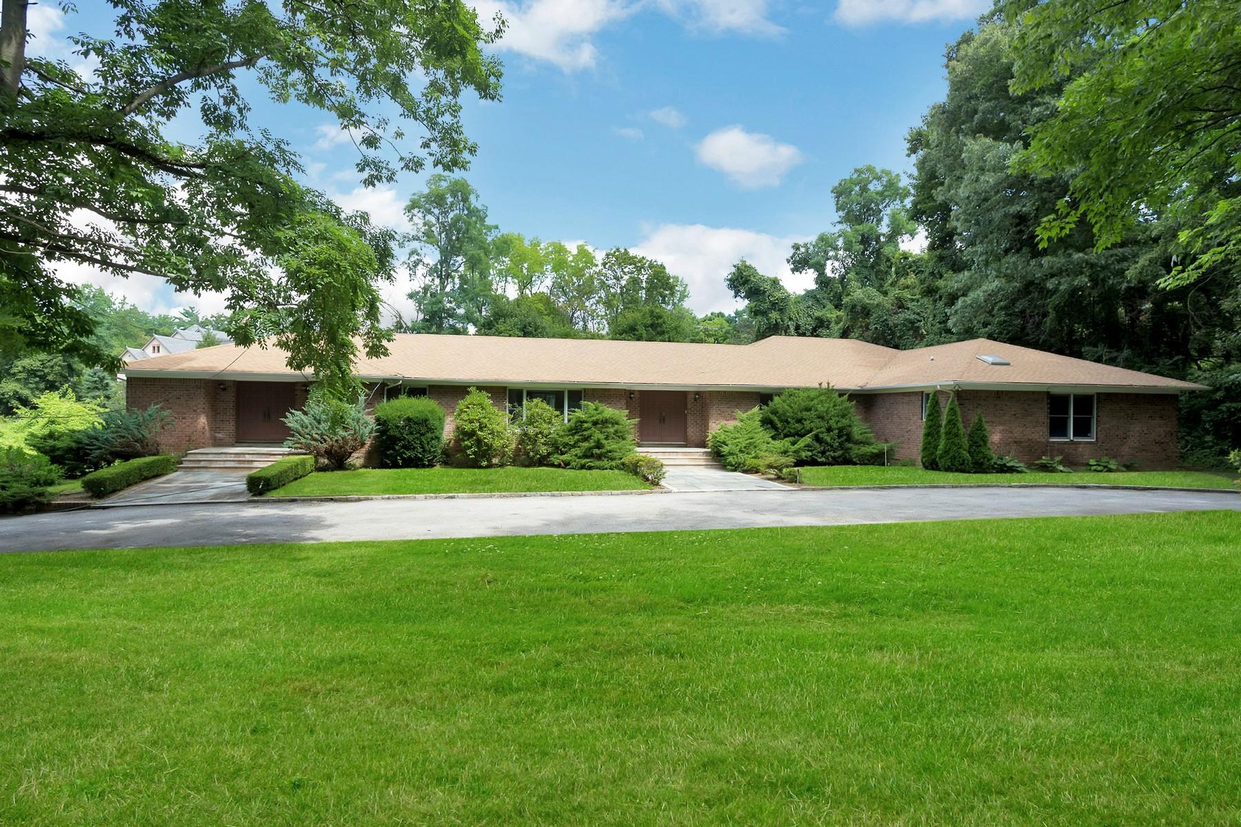 Casa para uma família para Venda às Ranch 169 Middle Neck Rd Sands Point, Nova York, 11050 Estados Unidos