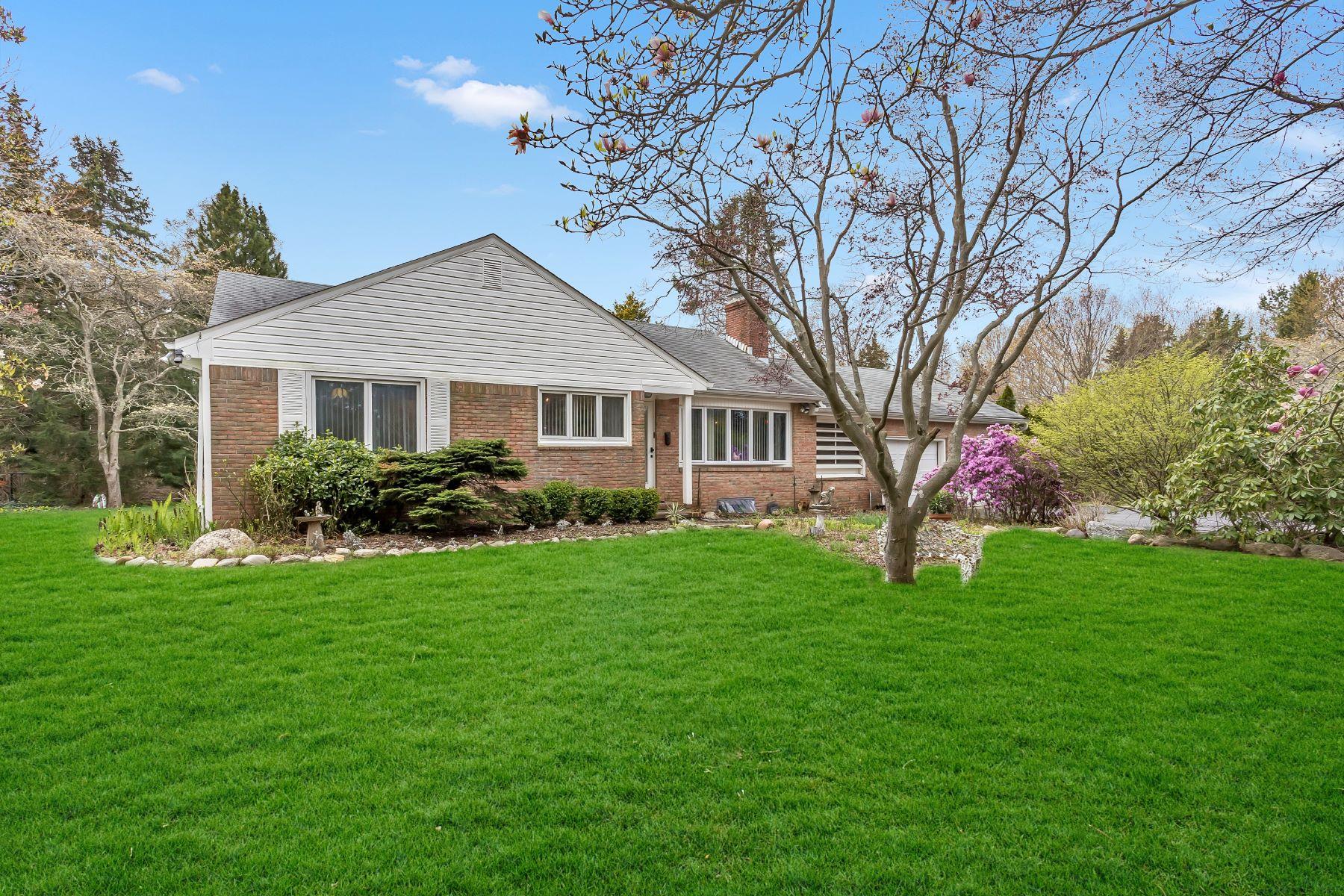 獨棟家庭住宅 為 出售 在 Waterfront Ranch 28 Cemetery Ln Setauket, 紐約州, 11733 美國
