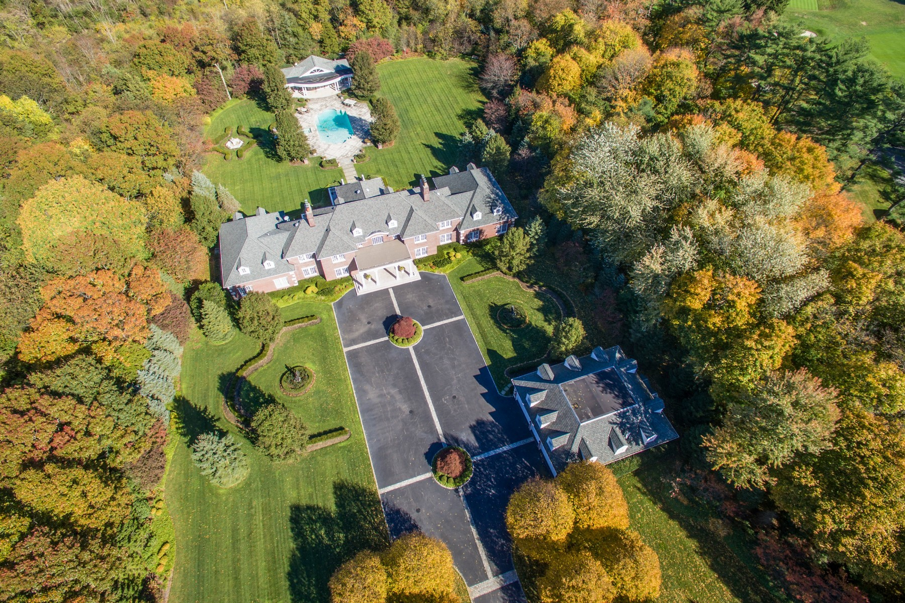 Single Family Home for Sale at Estate 1 Bel Air Ct Upper Brookville, New York, 11771 United States