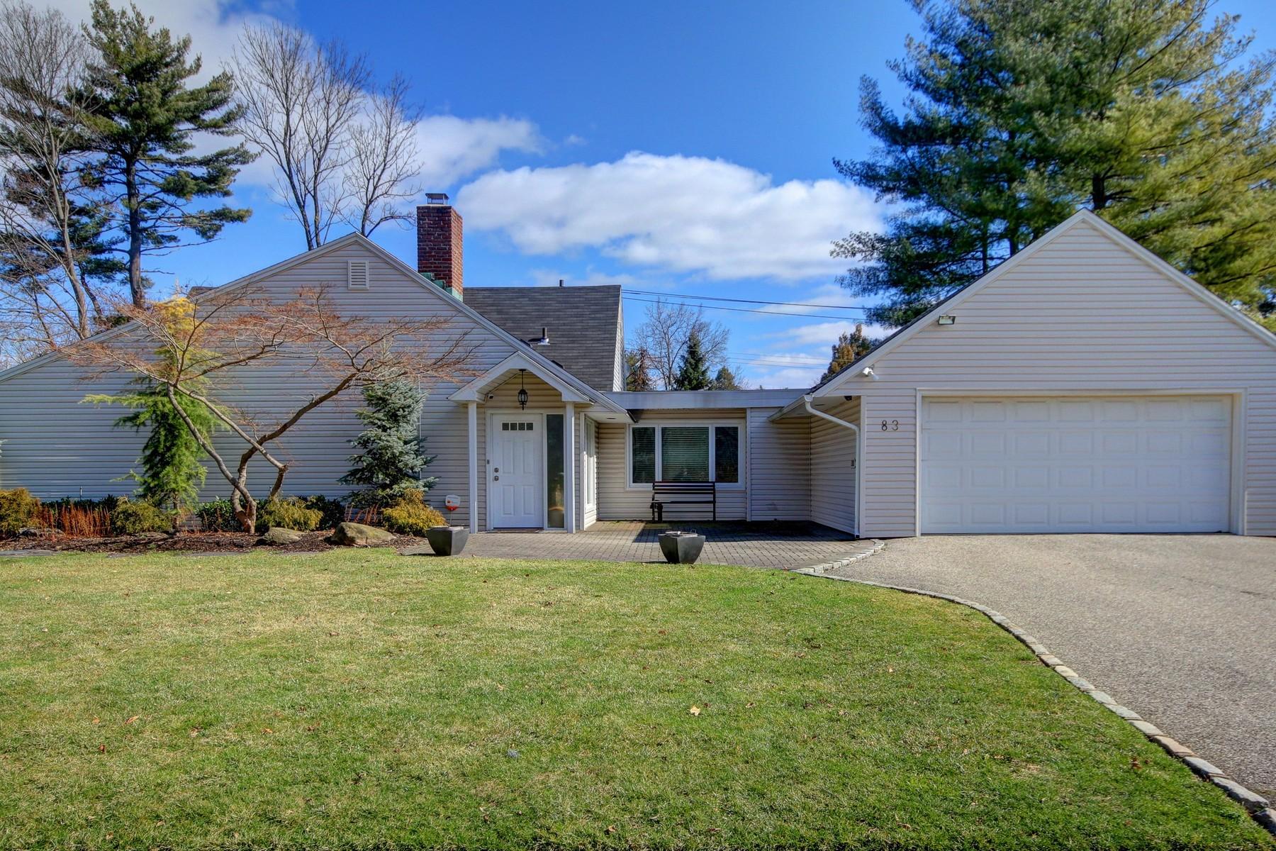 Casa Unifamiliar por un Venta en Exp Ranch 83 Shepherd Ln Roslyn Heights, Nueva York, 11577 Estados Unidos