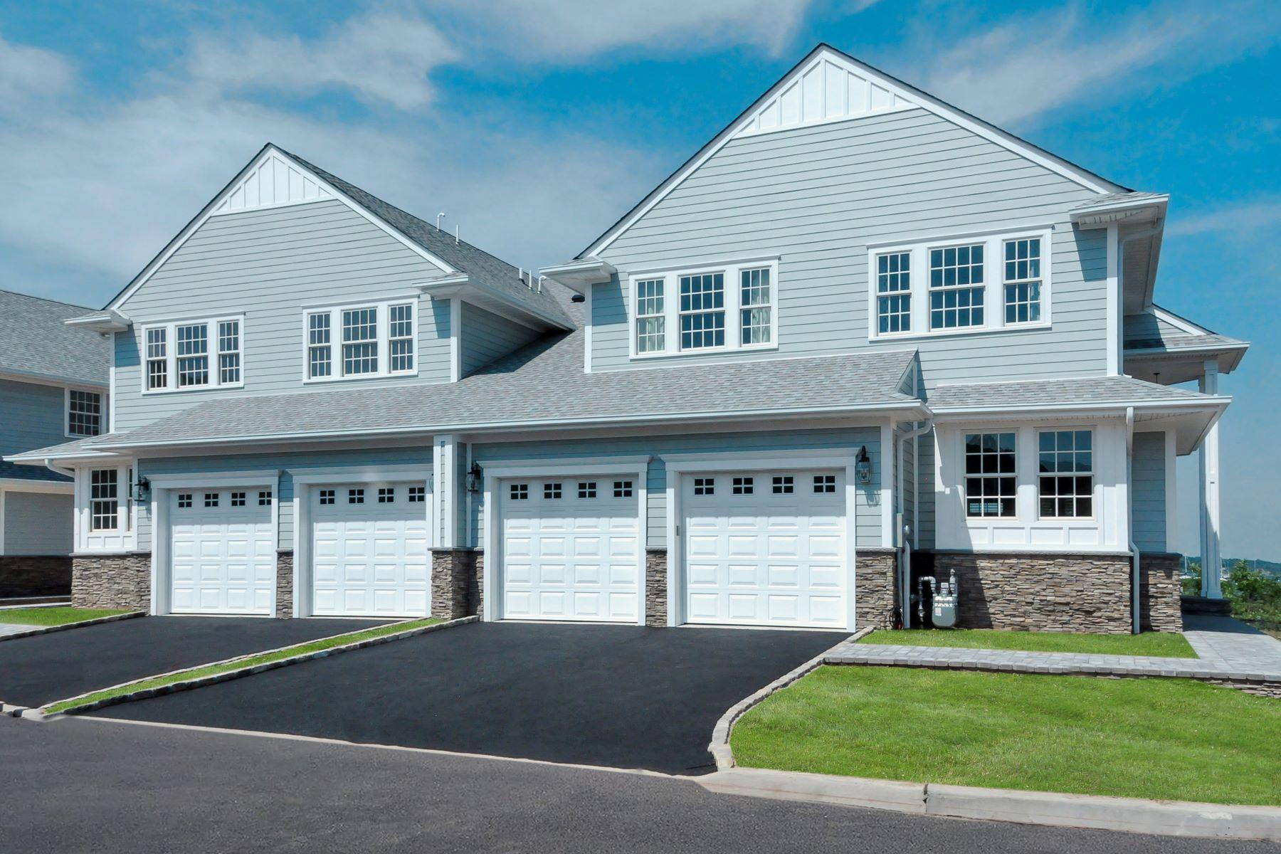 Condomínio para Venda às Homeowner Assoc 1 Sea Isle Landing Glen Cove, Nova York, 11542 Estados Unidos