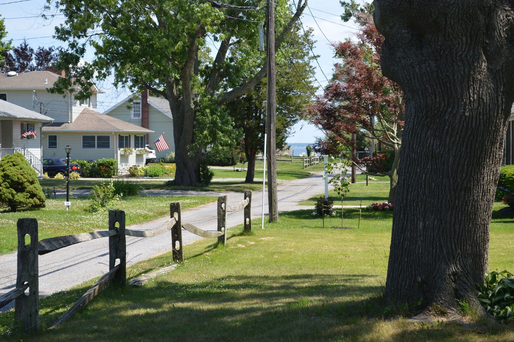 独户住宅 为 出租 在 Cottage 45 Cedar Ct 劳雷尔, 纽约州, 11948 美国