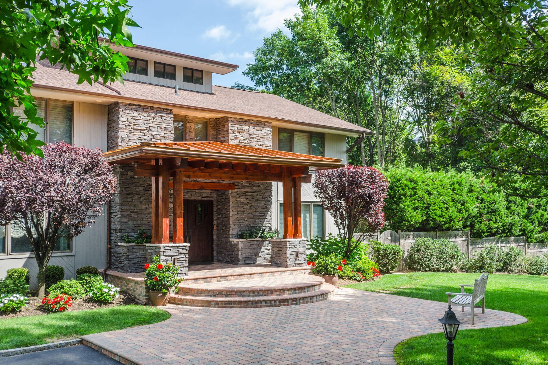 Casa para uma família para Venda às Colonial 1 Bostwick Ln Old Westbury, Nova York, 11568 Estados Unidos