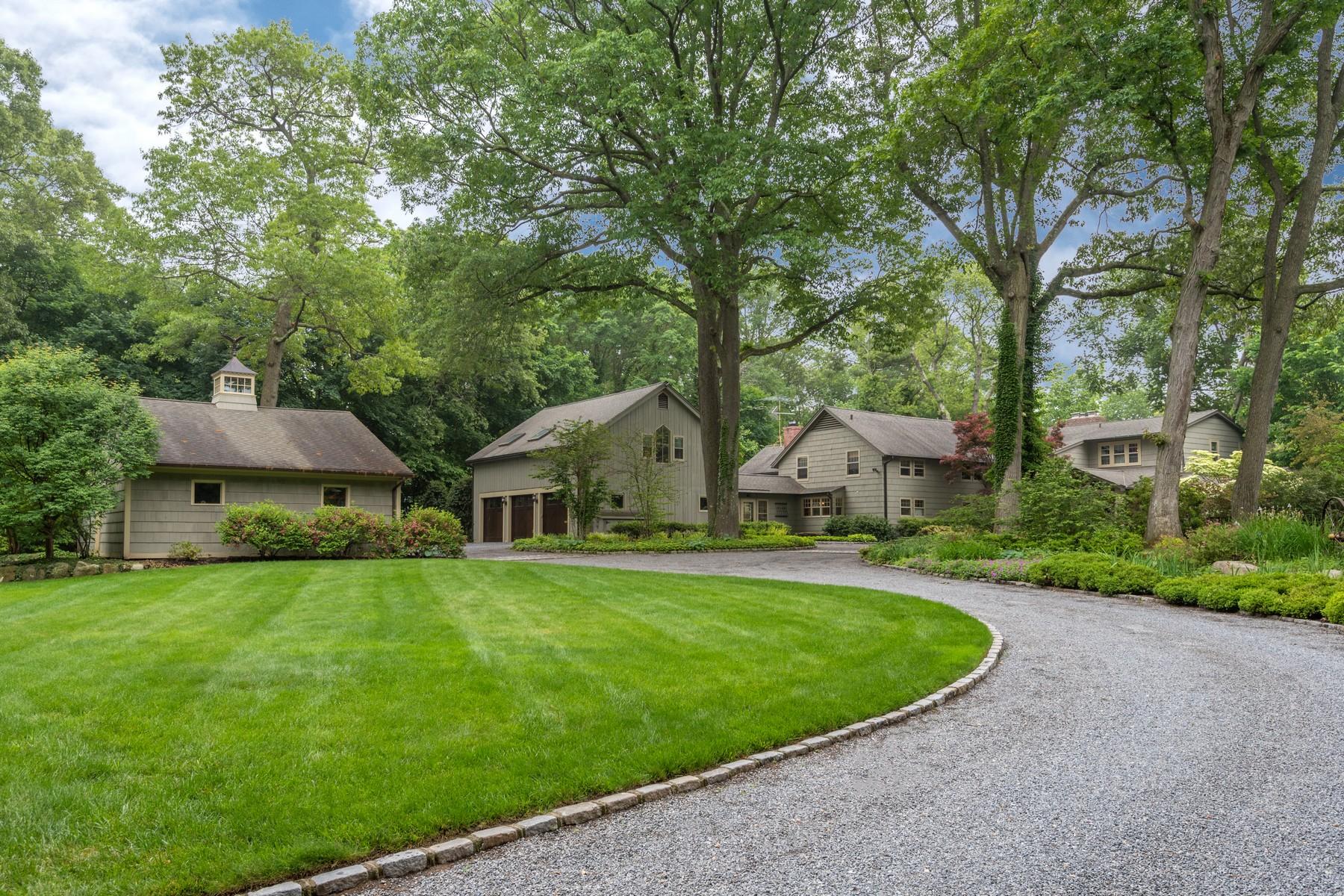 Tek Ailelik Ev için Satış at Farmhouse 62 Snake Hill Rd Cold Spring Harbor, New York, 11724 Amerika Birleşik Devletleri