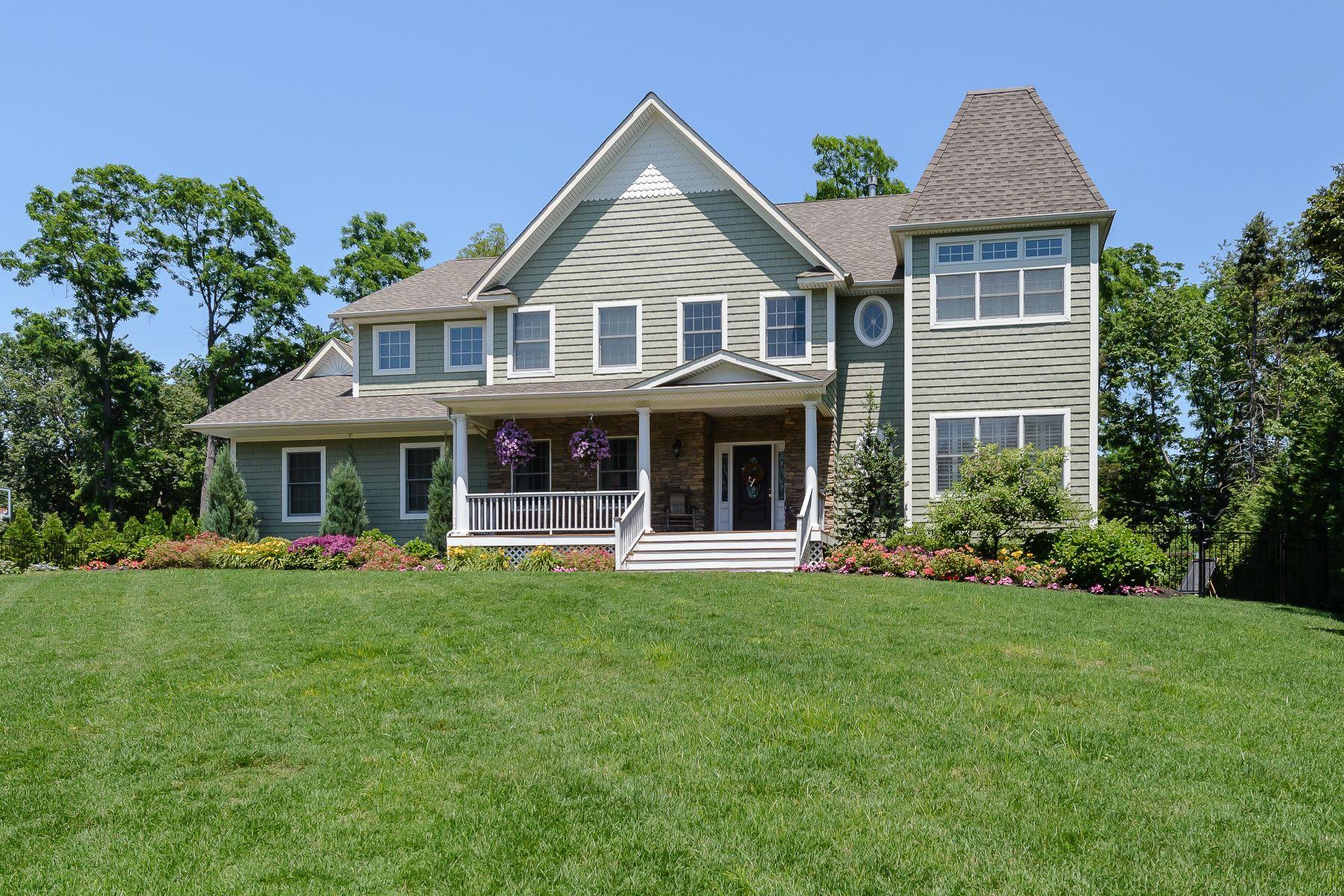 Casa para uma família para Venda às Colonial 1 Preston Hollow Ct Northport, Nova York, 11768 Estados Unidos