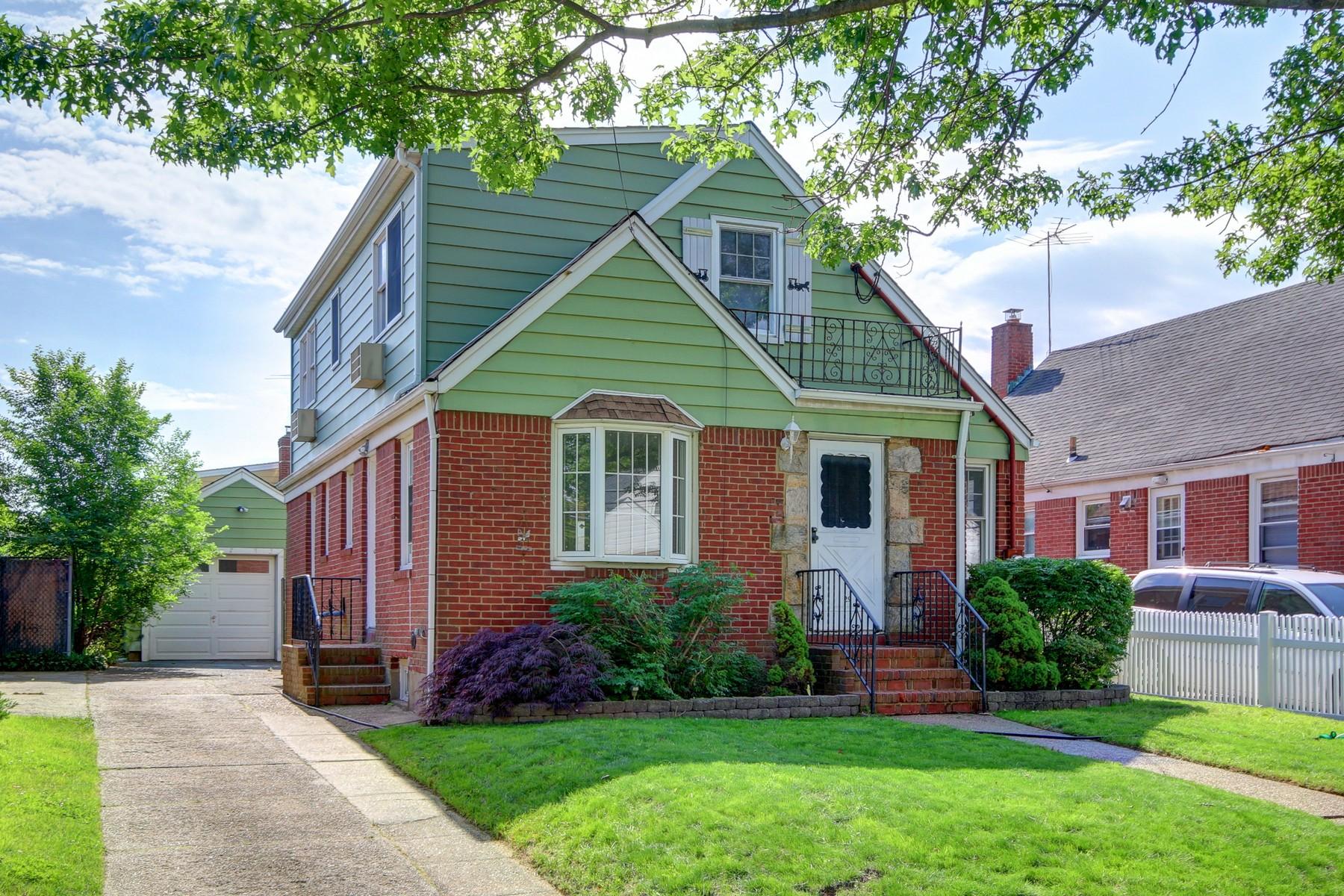 独户住宅 为 销售 在 Cape 29 Haven Ave 瓦利斯特里姆, 纽约州, 11580 美国