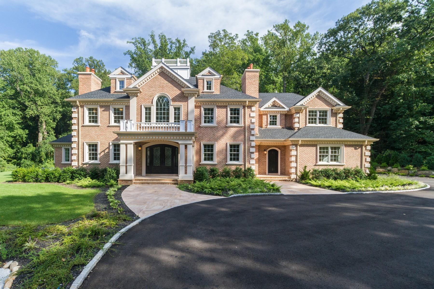 Casa para uma família para Venda às Colonial 55 Old Tappan Rd Lattingtown, Nova York, 11560 Estados Unidos