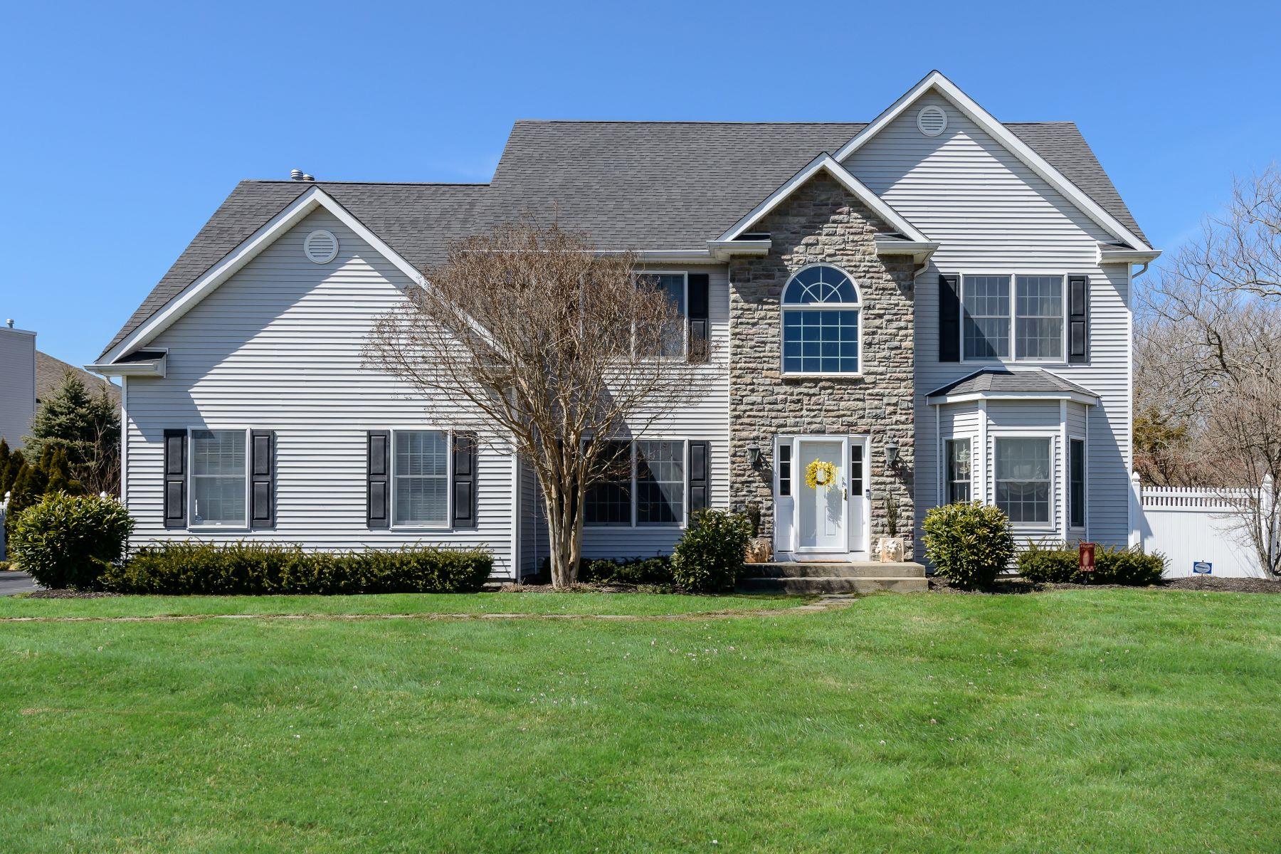 Villa per Vendita alle ore Colonial 6 Nursery Ct Huntington, New York, 11743 Stati Uniti