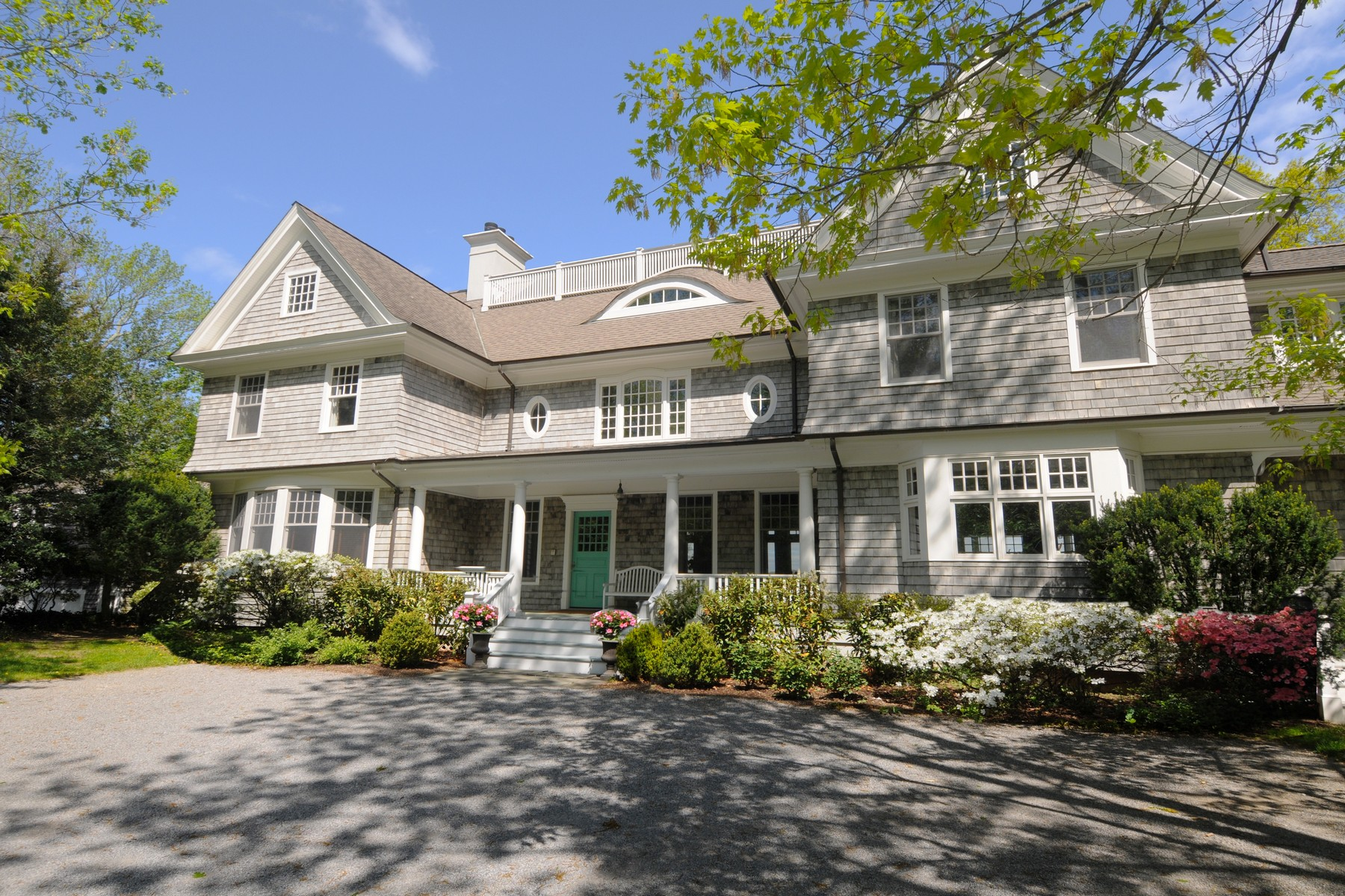 Single Family Home for Sale at Colonial 84 Cove Rd Rd Oyster Bay Cove, New York, 11771 United States