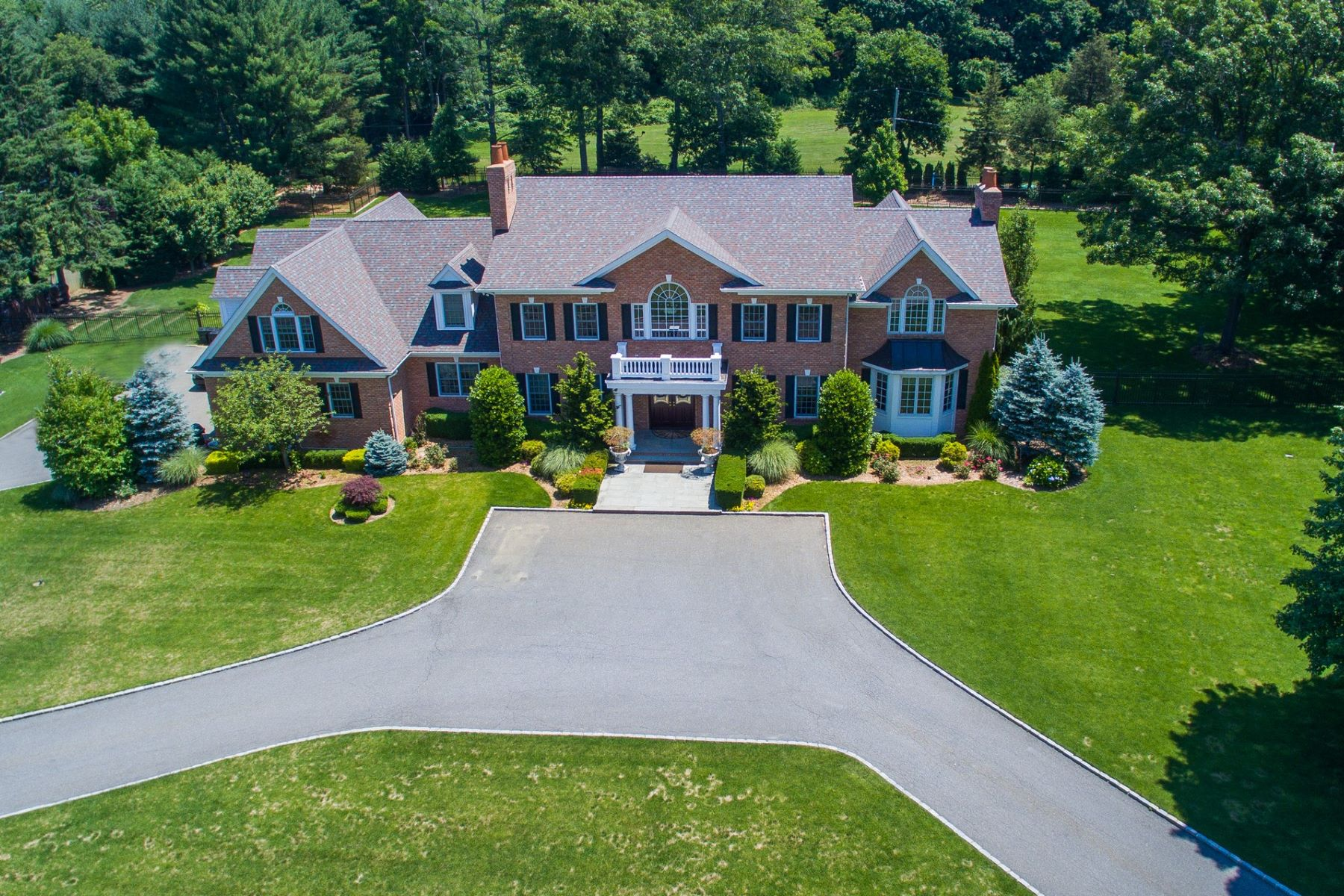 Single Family Home for Sale at Colonial 1934 Midlane Muttontown, New York, 11791 United States