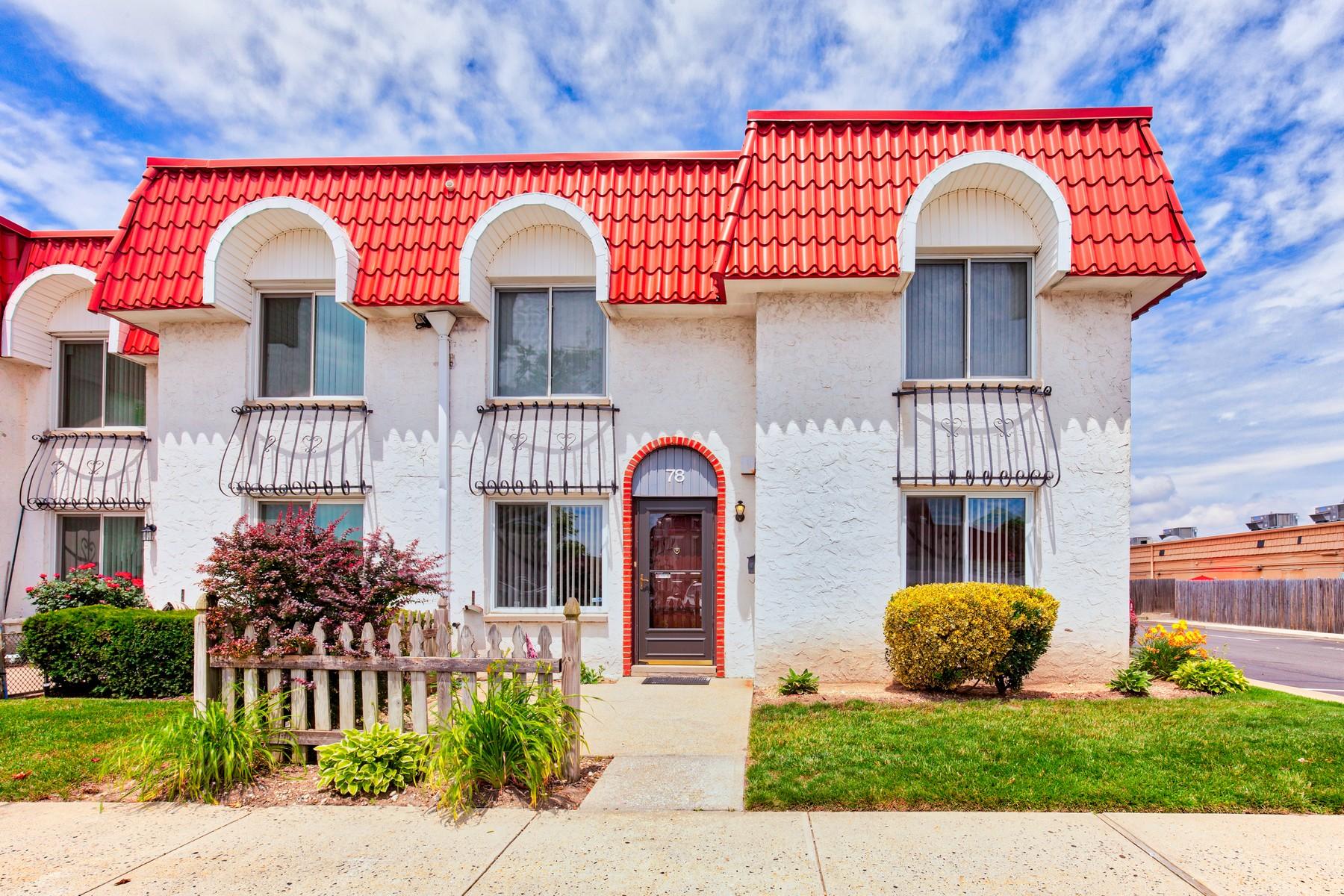 تاون هاوس للـ Sale في 78 Alhambra Dr 78 Alhambra Dr Oceanside, New York, 11572 United States