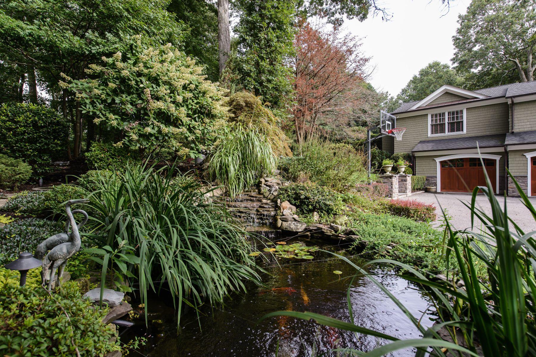 Casa para uma família para Venda às Traditional 2024 Ridge Rd Muttontown, Nova York, 11791 Estados Unidos