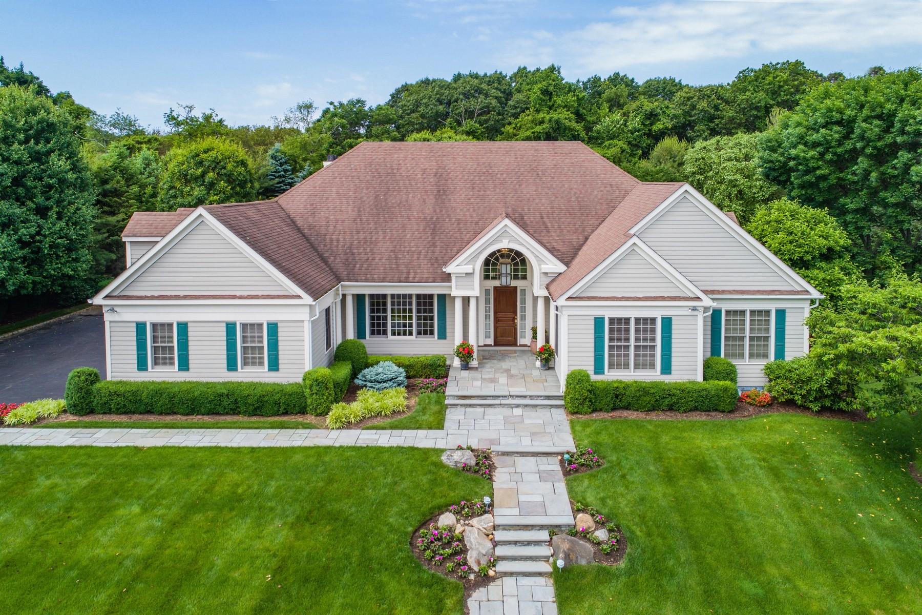 独户住宅 为 销售 在 Expanded Ranch in Stone Hill 14 Stone Hill North Dr 曼哈塞特, 纽约州, 11030 美国